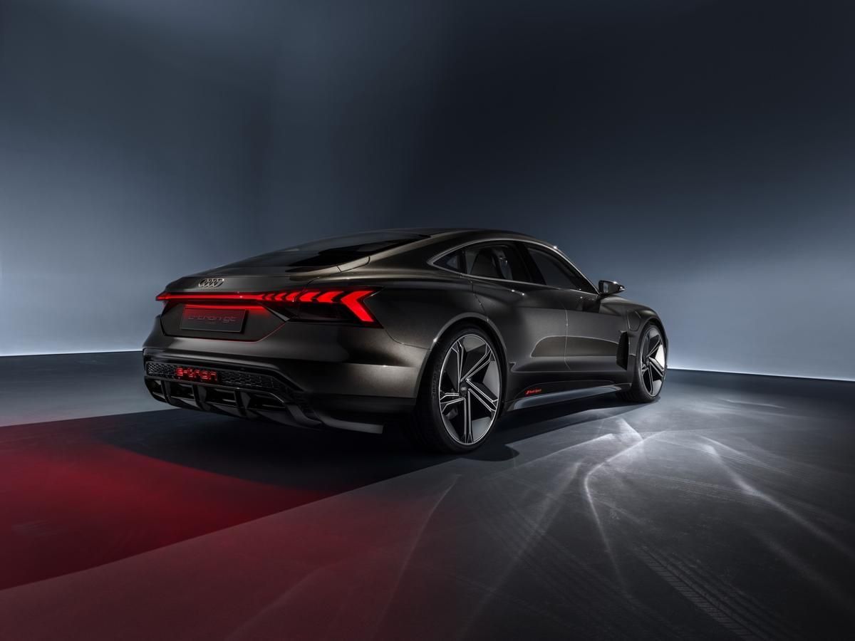 Audi e-tron GT leaked photos (10)