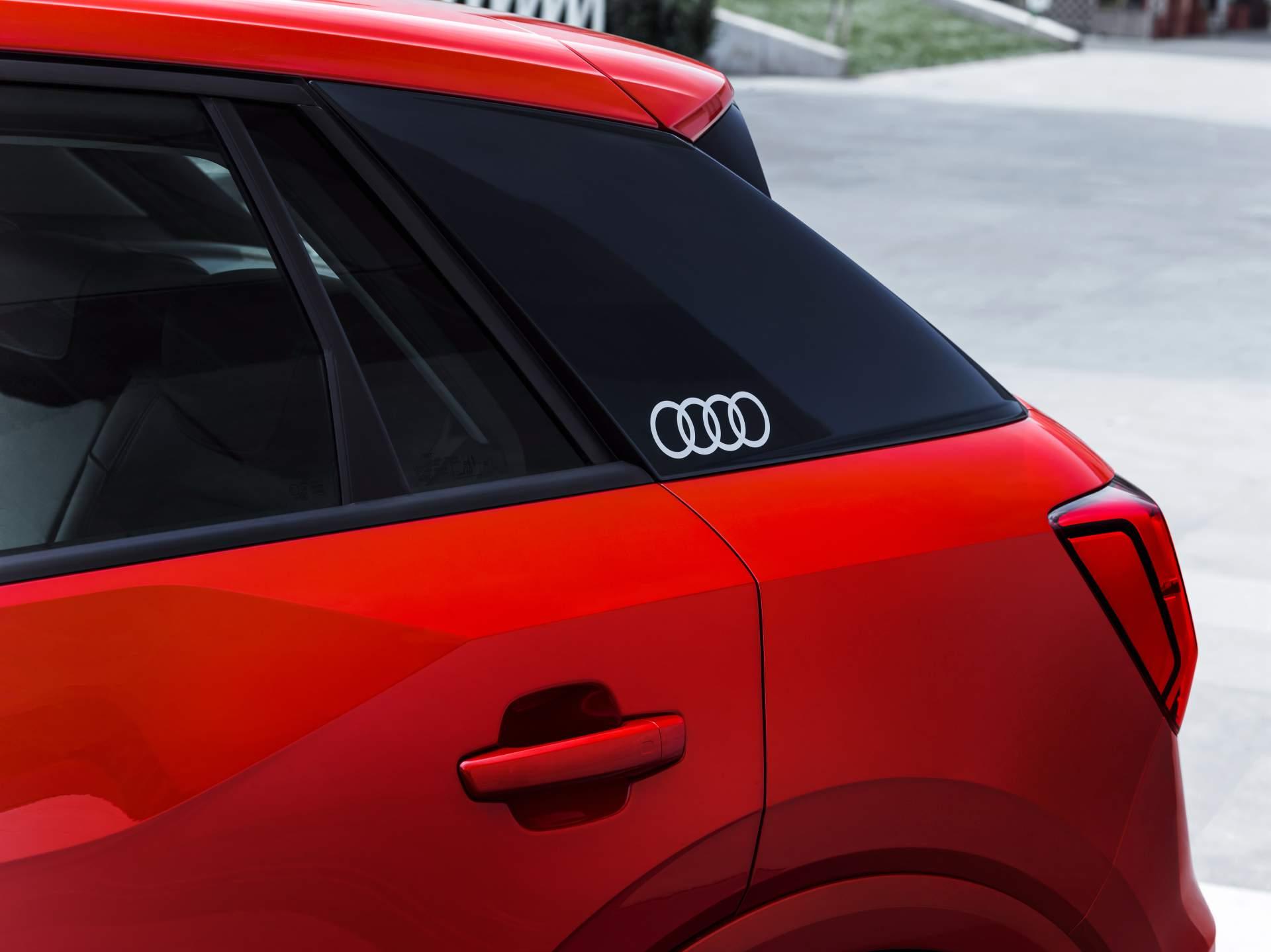 Audi_Q2_L_0018