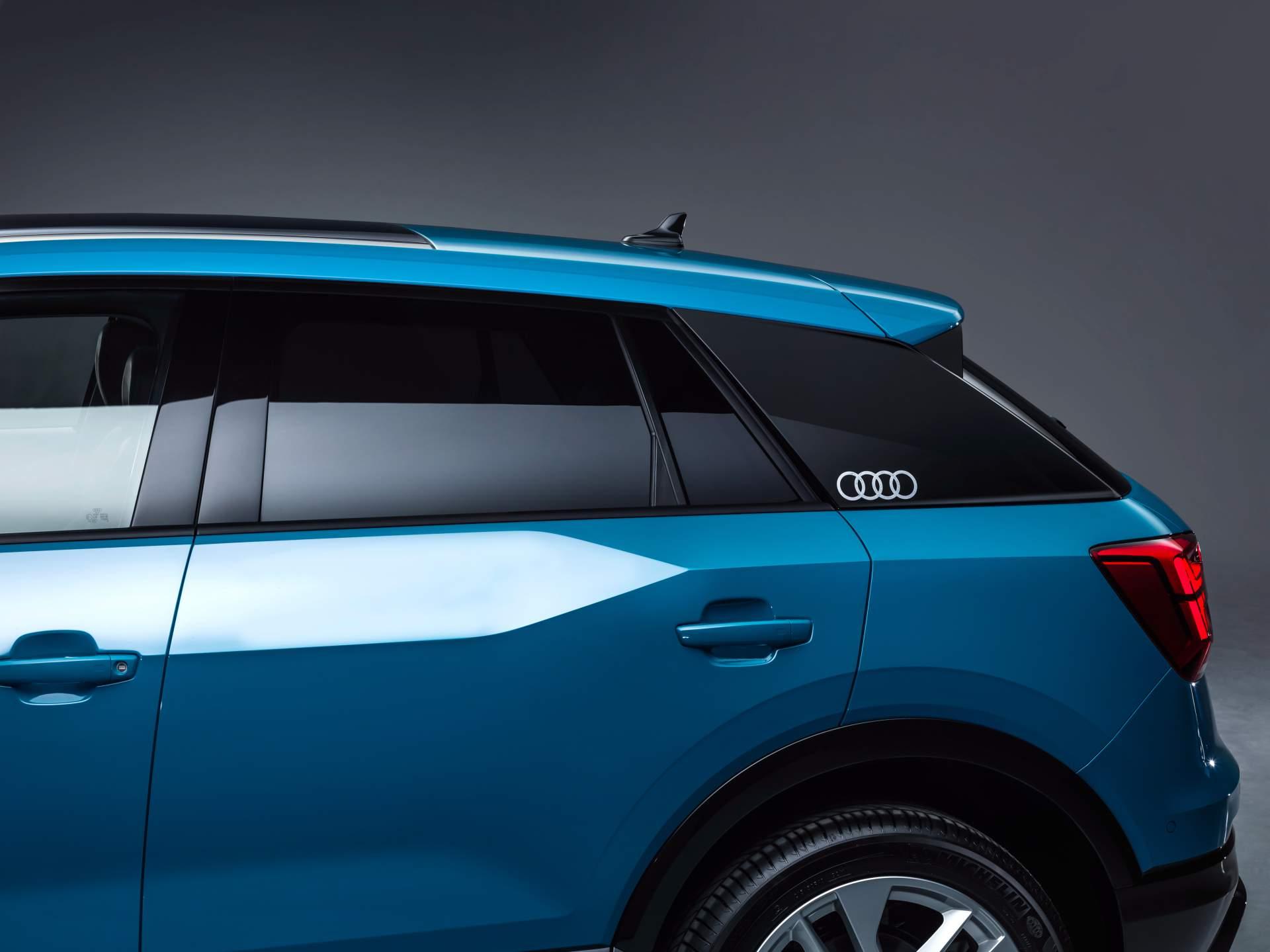 Audi_Q2_L_0042