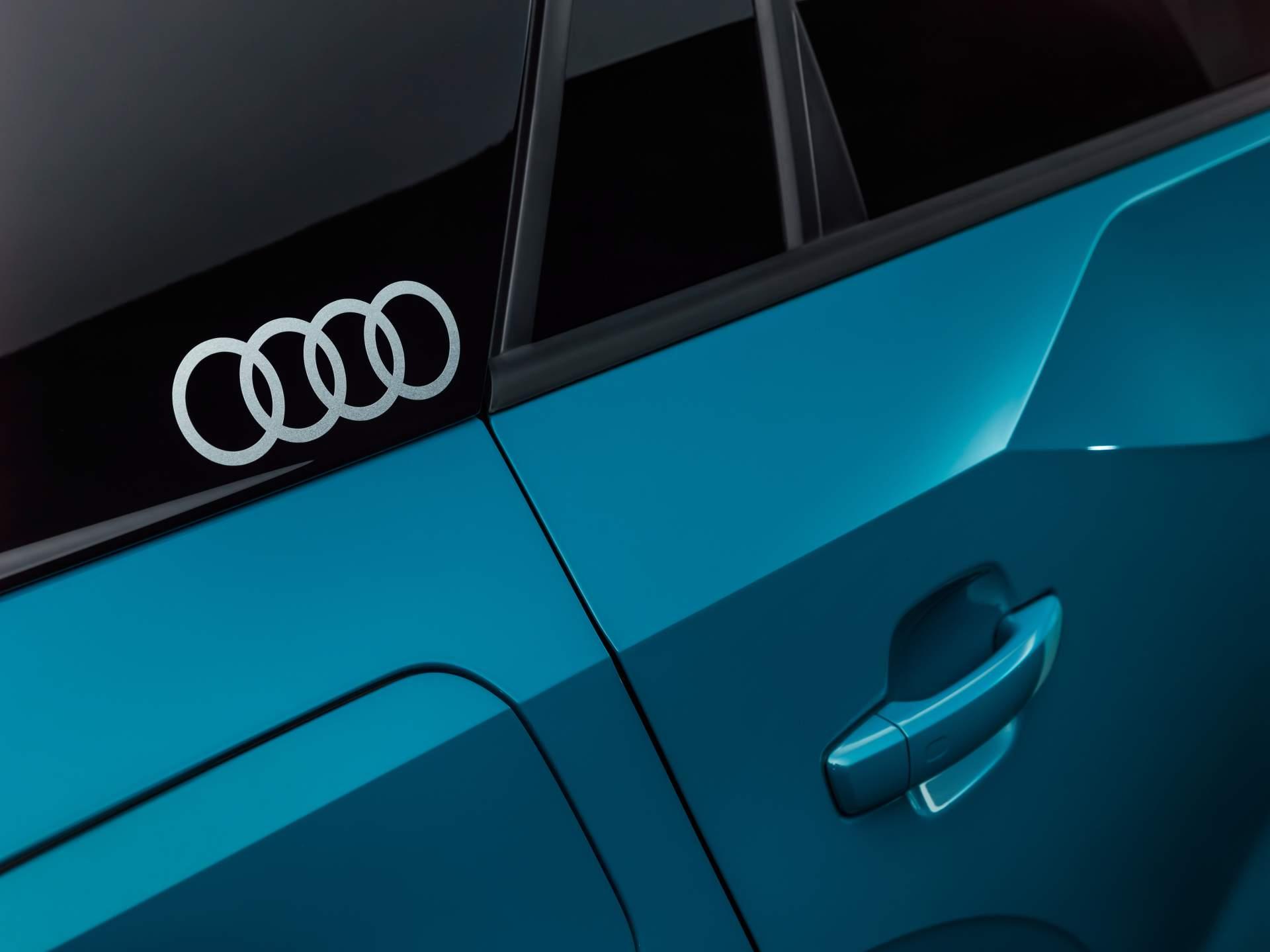 Audi_Q2_L_0046