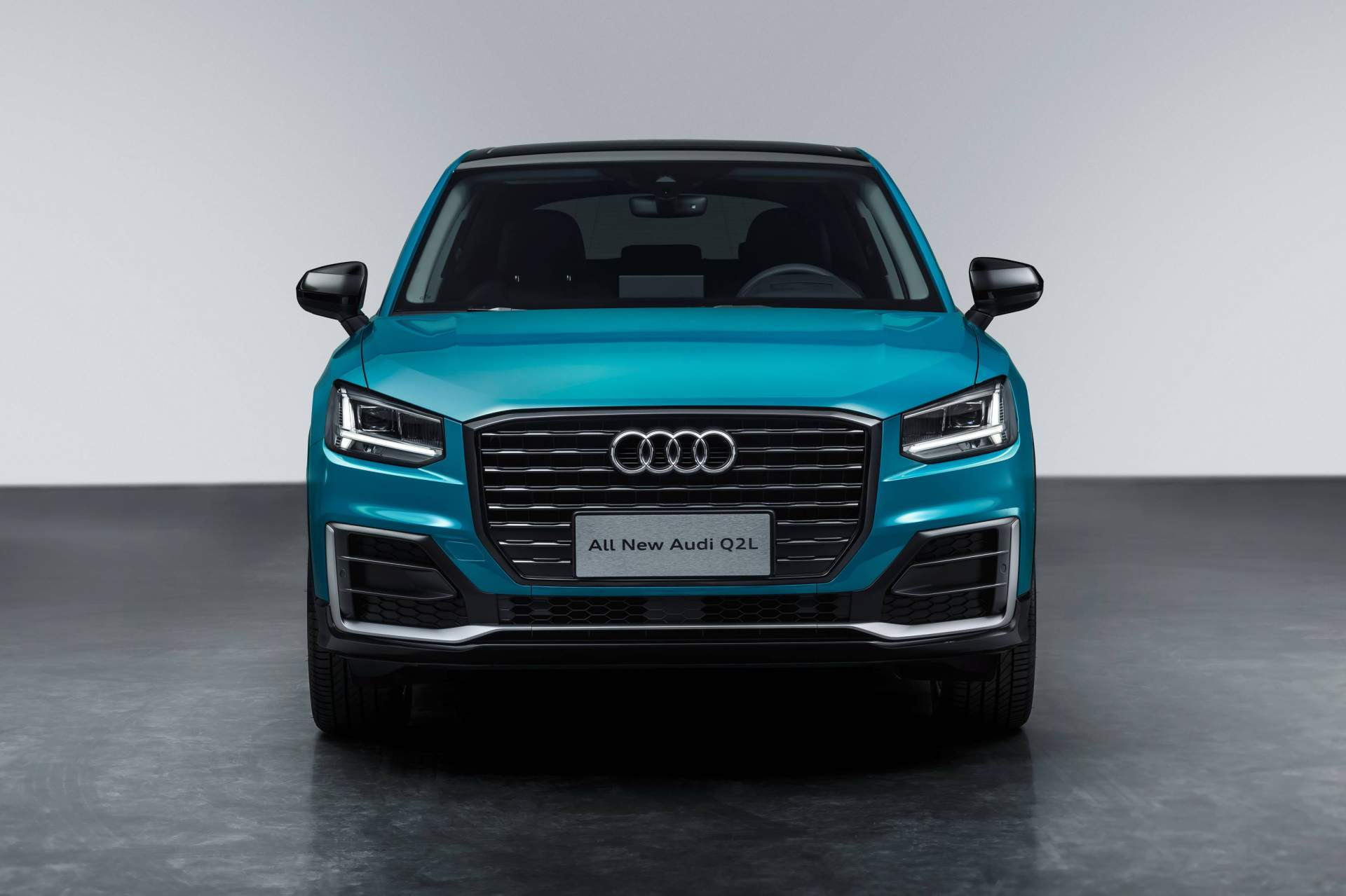 Audi_Q2_L_0052