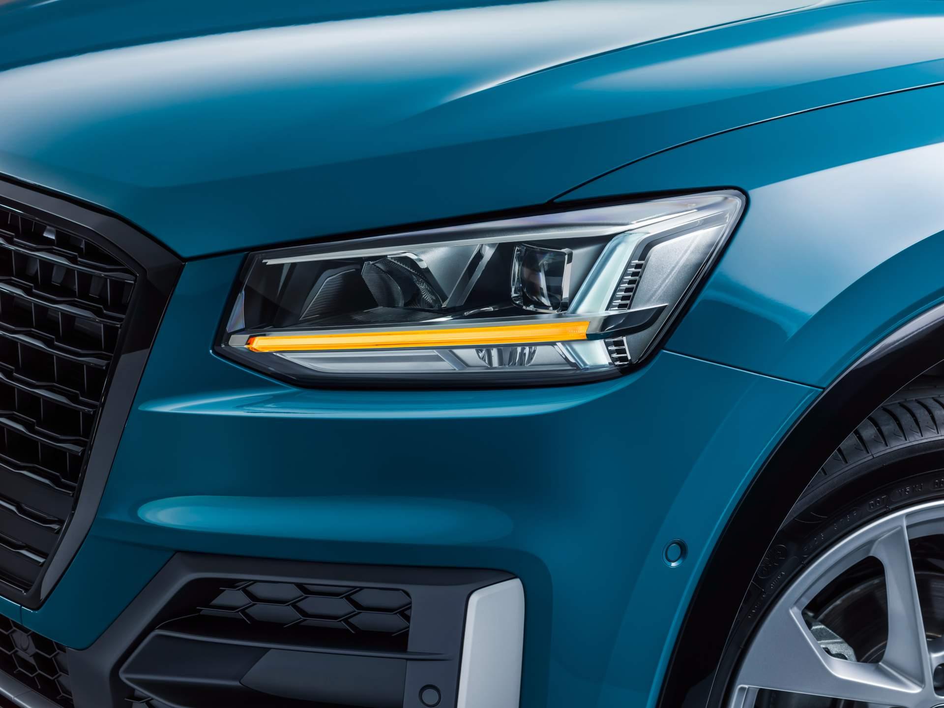 Audi_Q2_L_0056