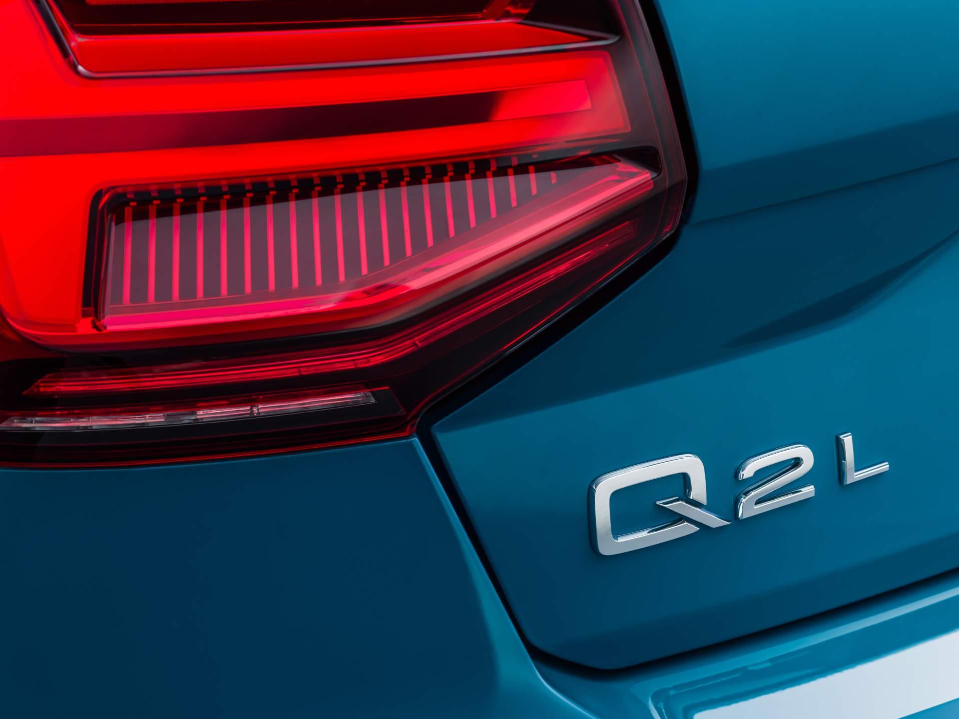 Audi_Q2_L_0057