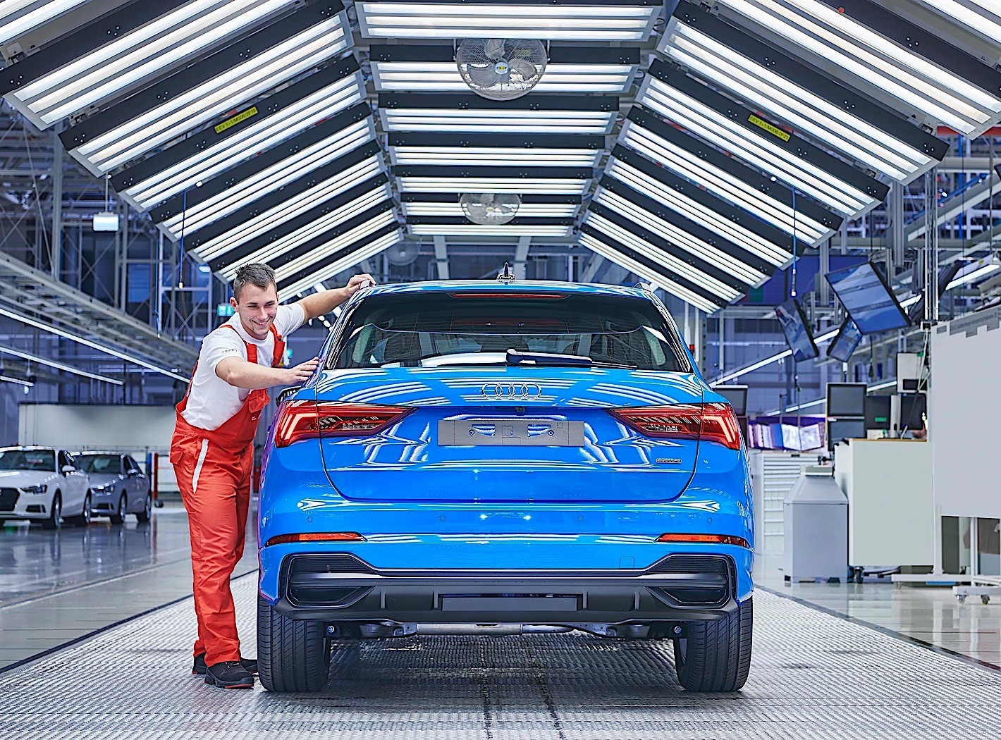 Audi Q3 production plant factory (2)