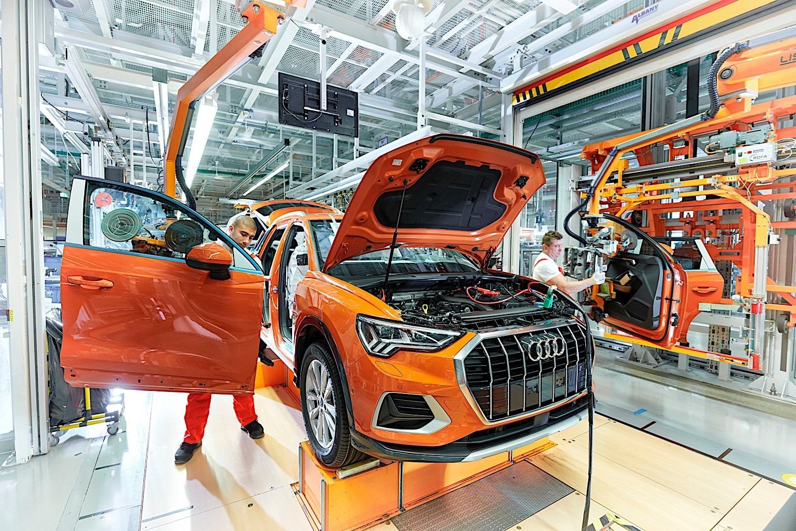 Audi Q3 production plant factory (3)