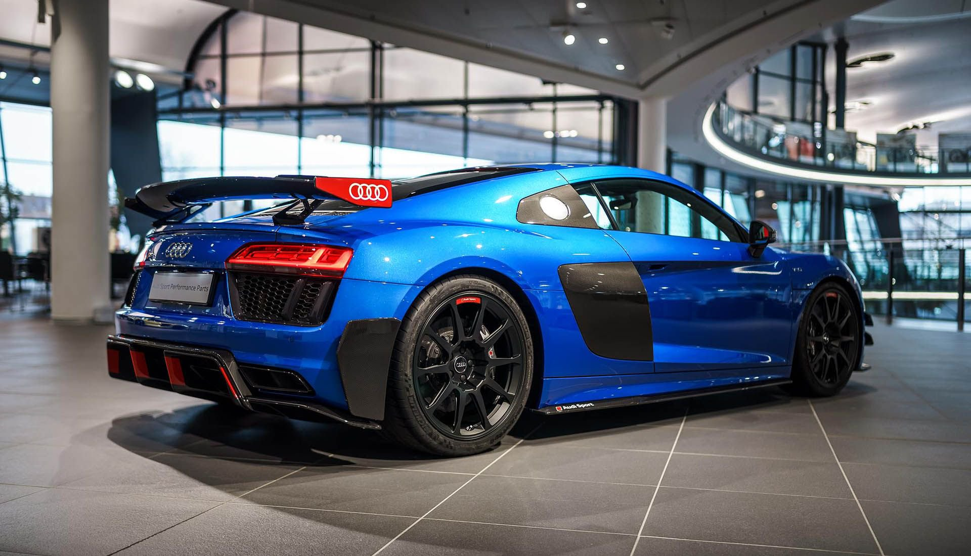 Audi_R8_V10_Plus_Performance_Parts_0001