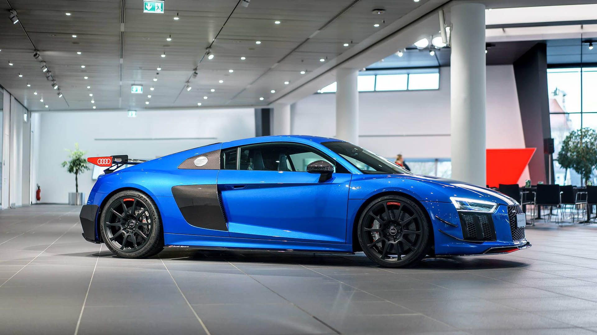 Audi_R8_V10_Plus_Performance_Parts_0003