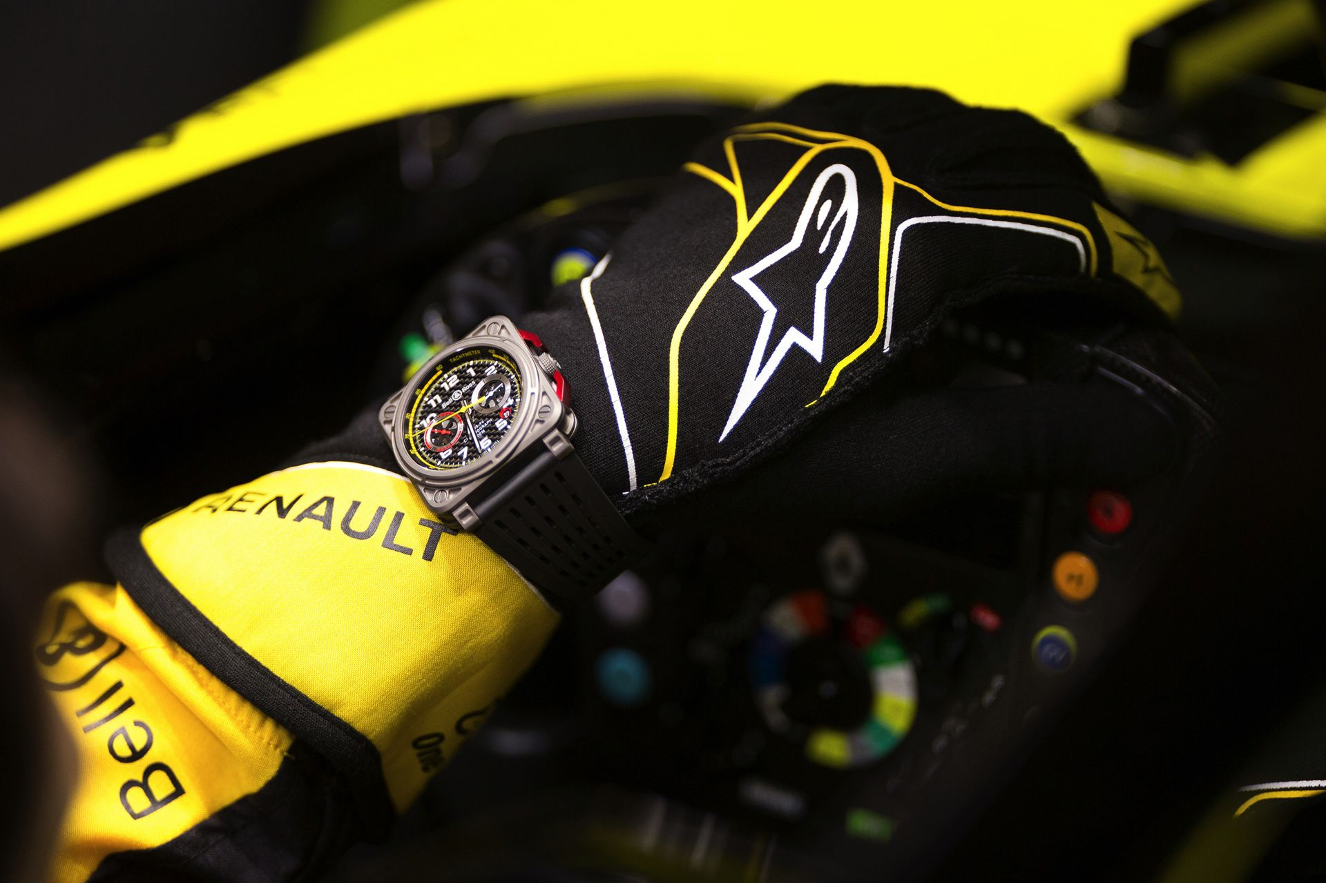 bell-ross-renault-rs18-watch-11