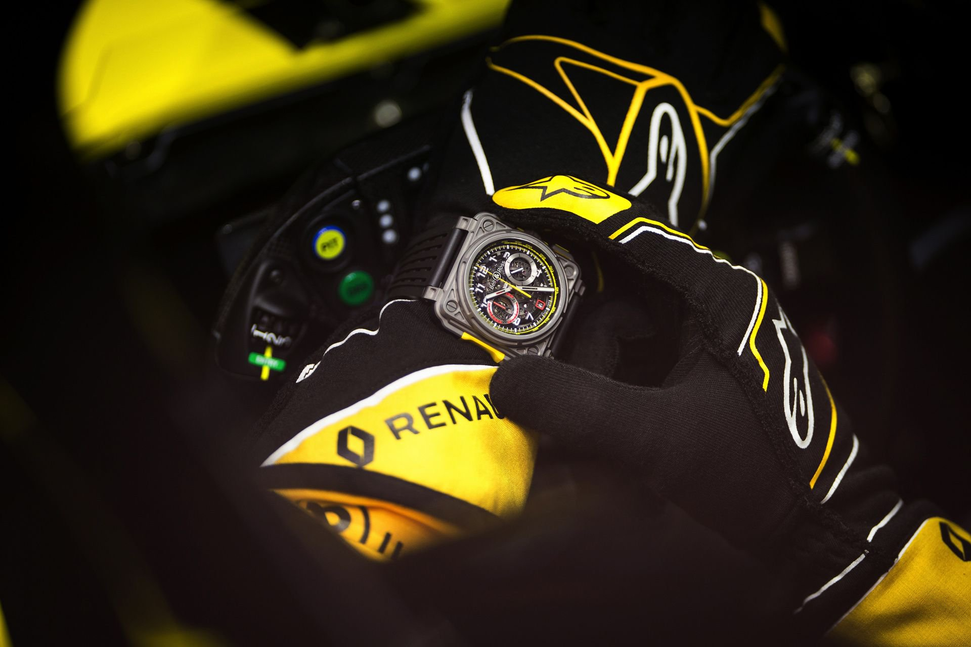 bell-ross-renault-rs18-watch-13