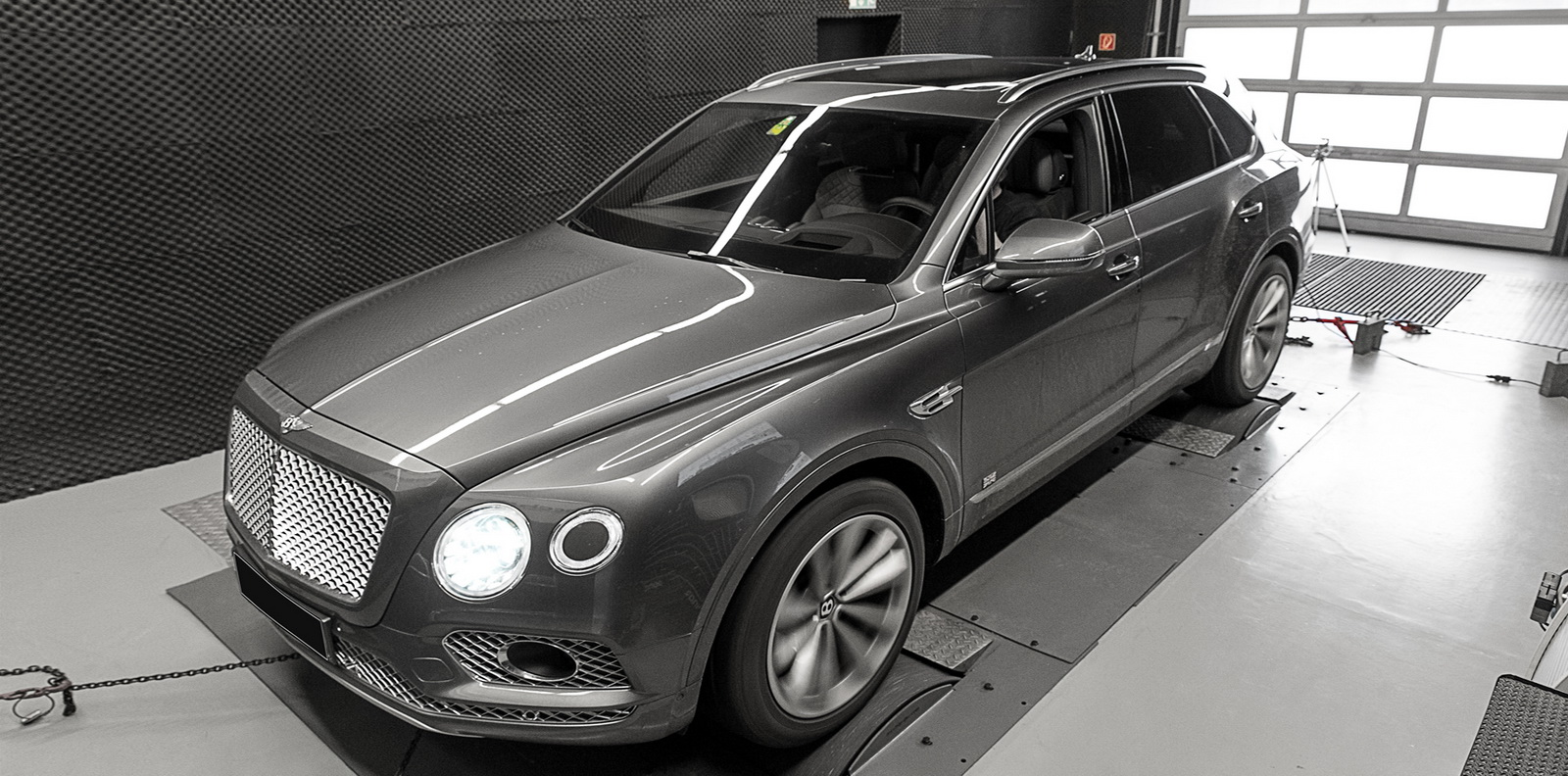Bentley_Bentayga_by_Wheelsandmore_0003