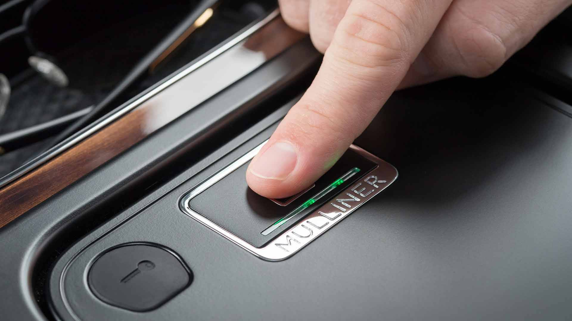 bentley-bentayga-fingerprint-storage (4)