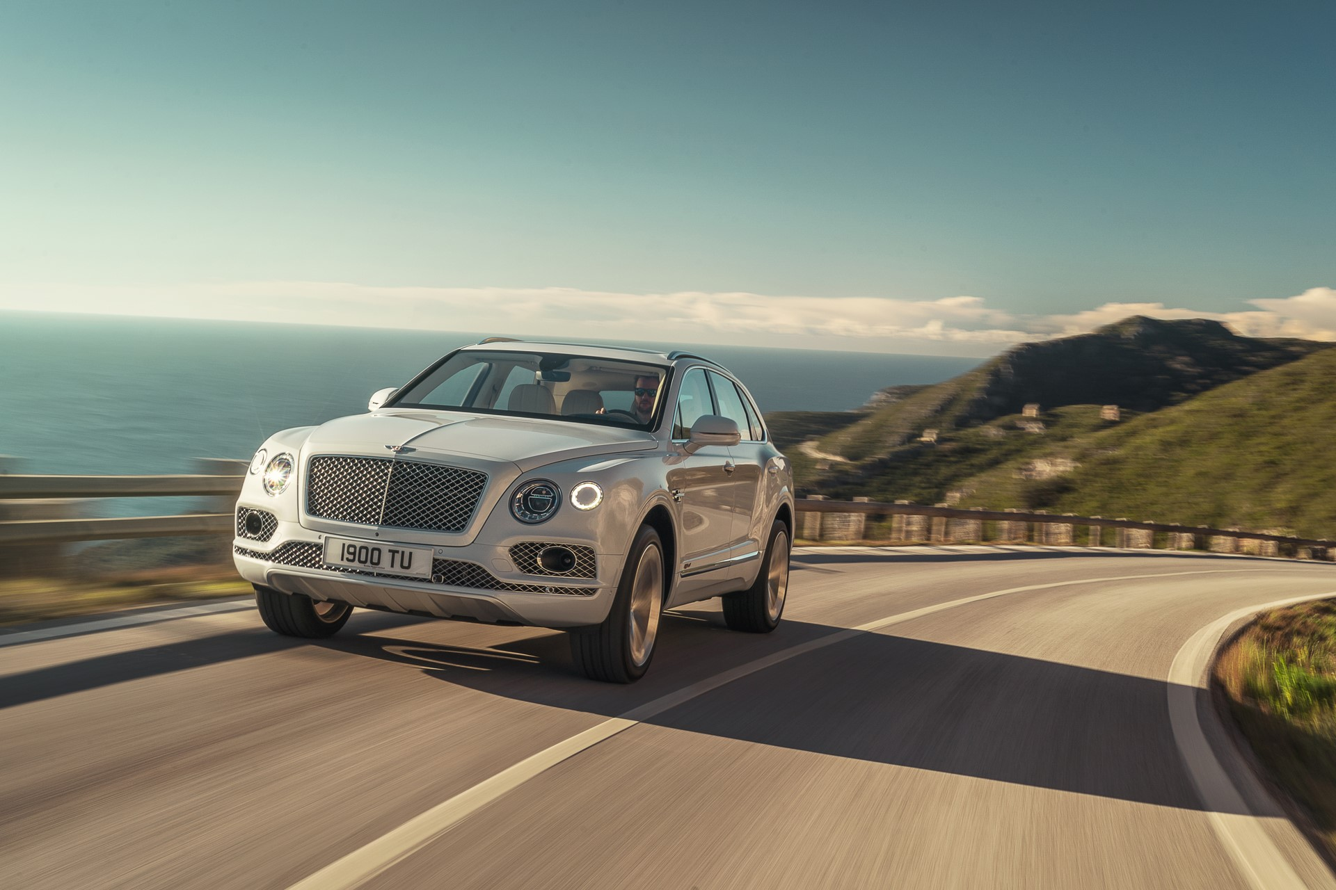 Bentley Bentayga Hybrid - 02