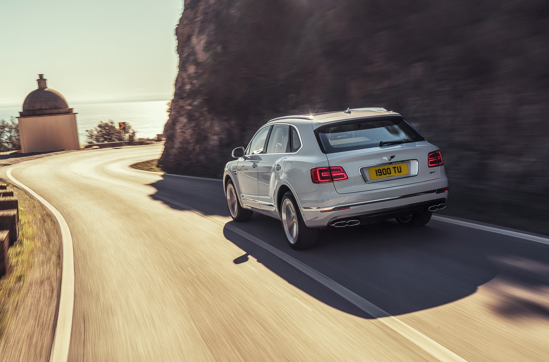 Bentley Bentayga Hybrid - 03