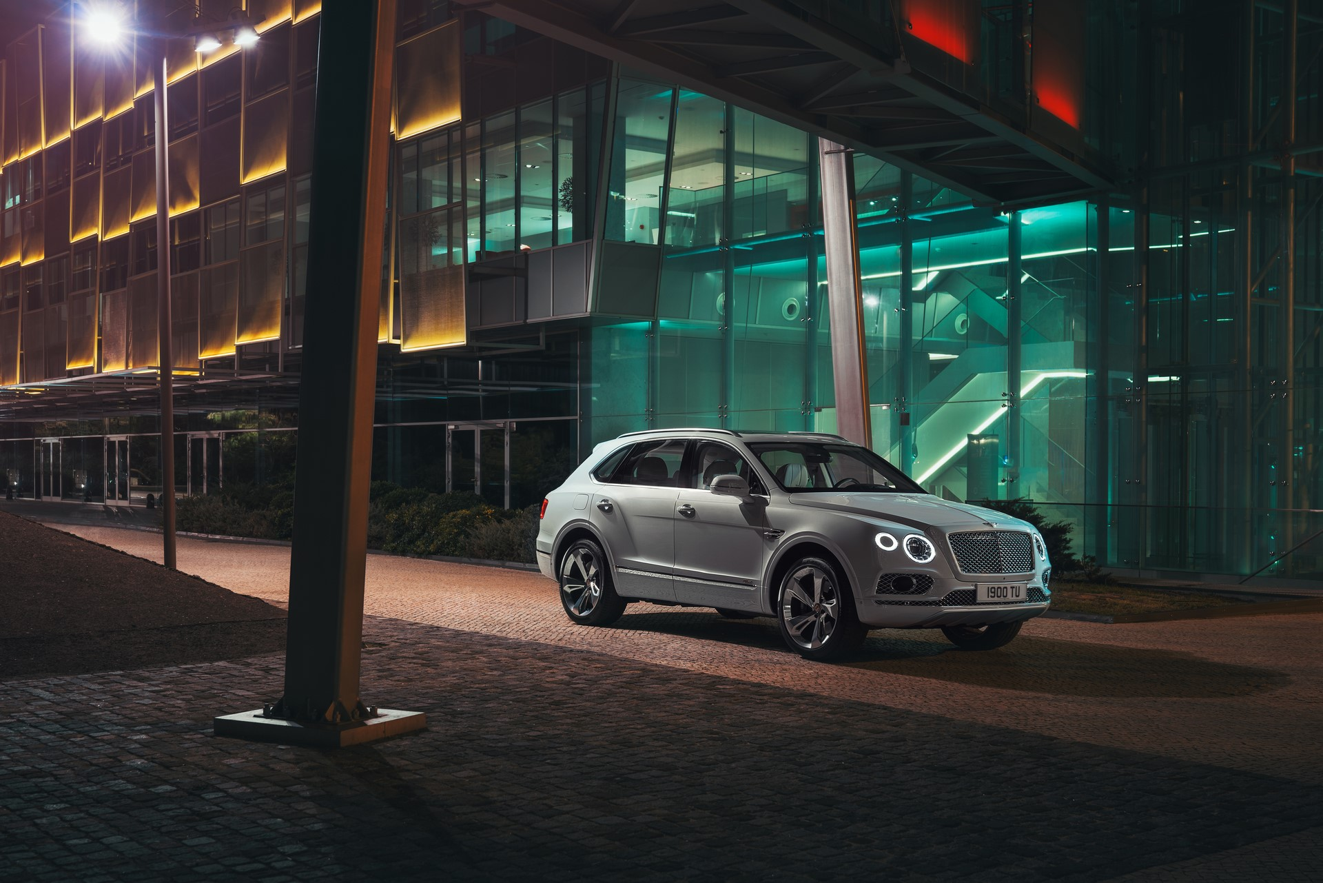 Bentley Bentayga Hybrid - 09