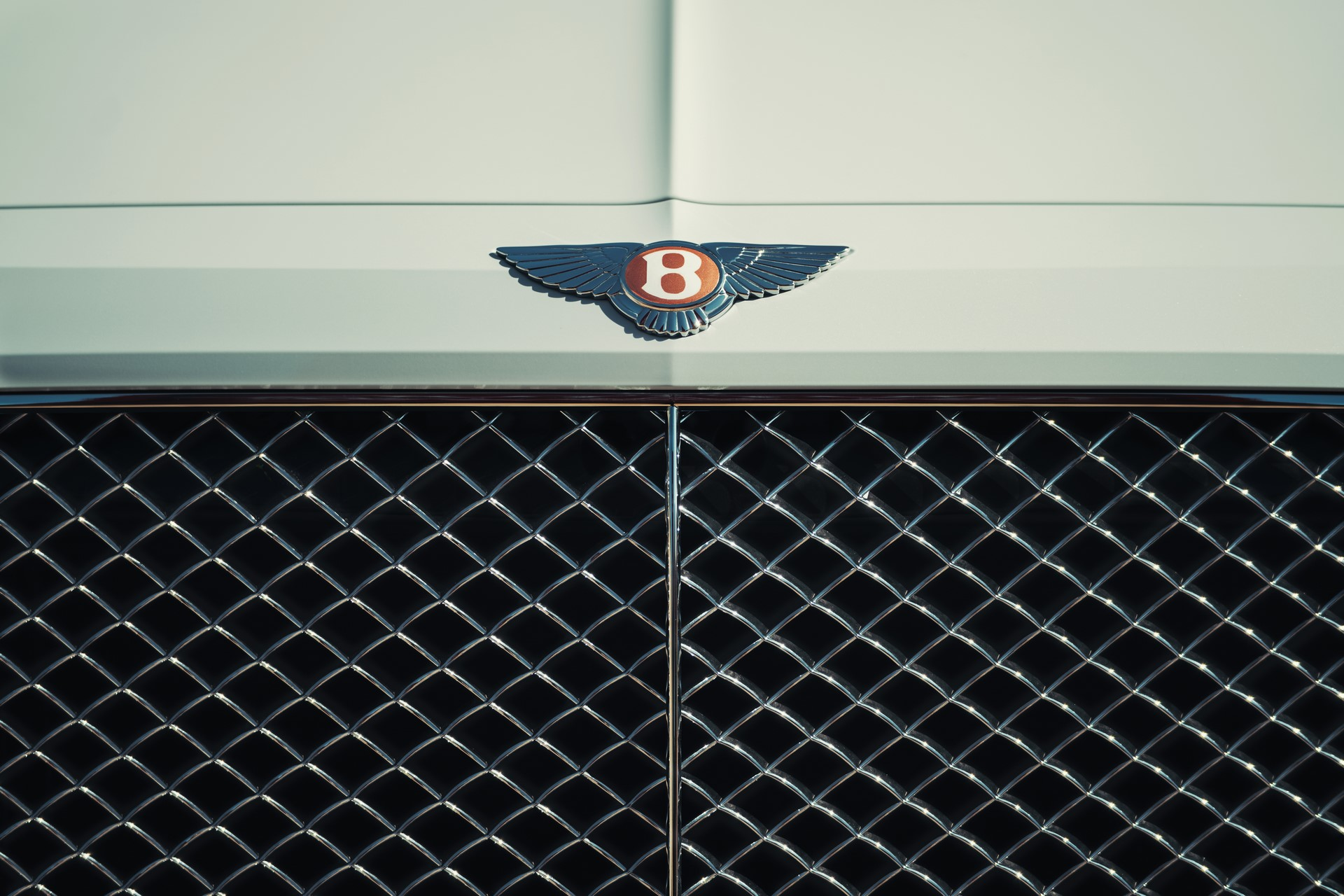 Bentley Bentayga Hybrid - 17