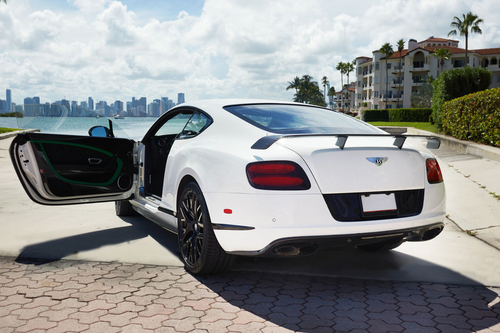 Bentley_Continental_GT3-R_for_sale_0000