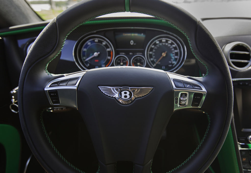 Bentley_Continental_GT3-R_for_sale_0001