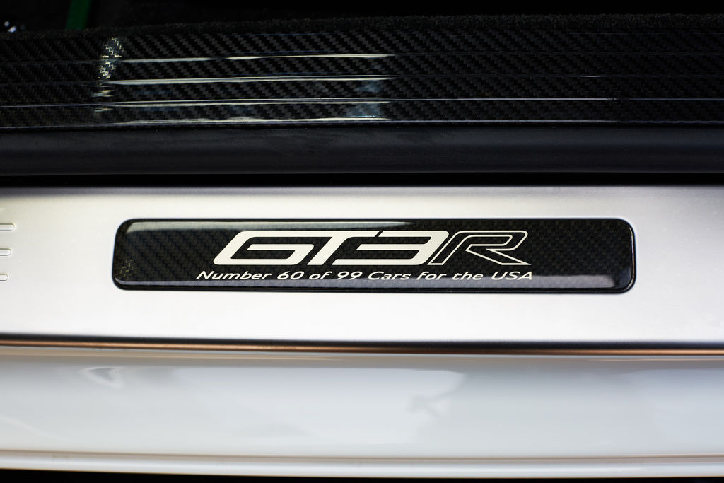 Bentley_Continental_GT3-R_for_sale_0003