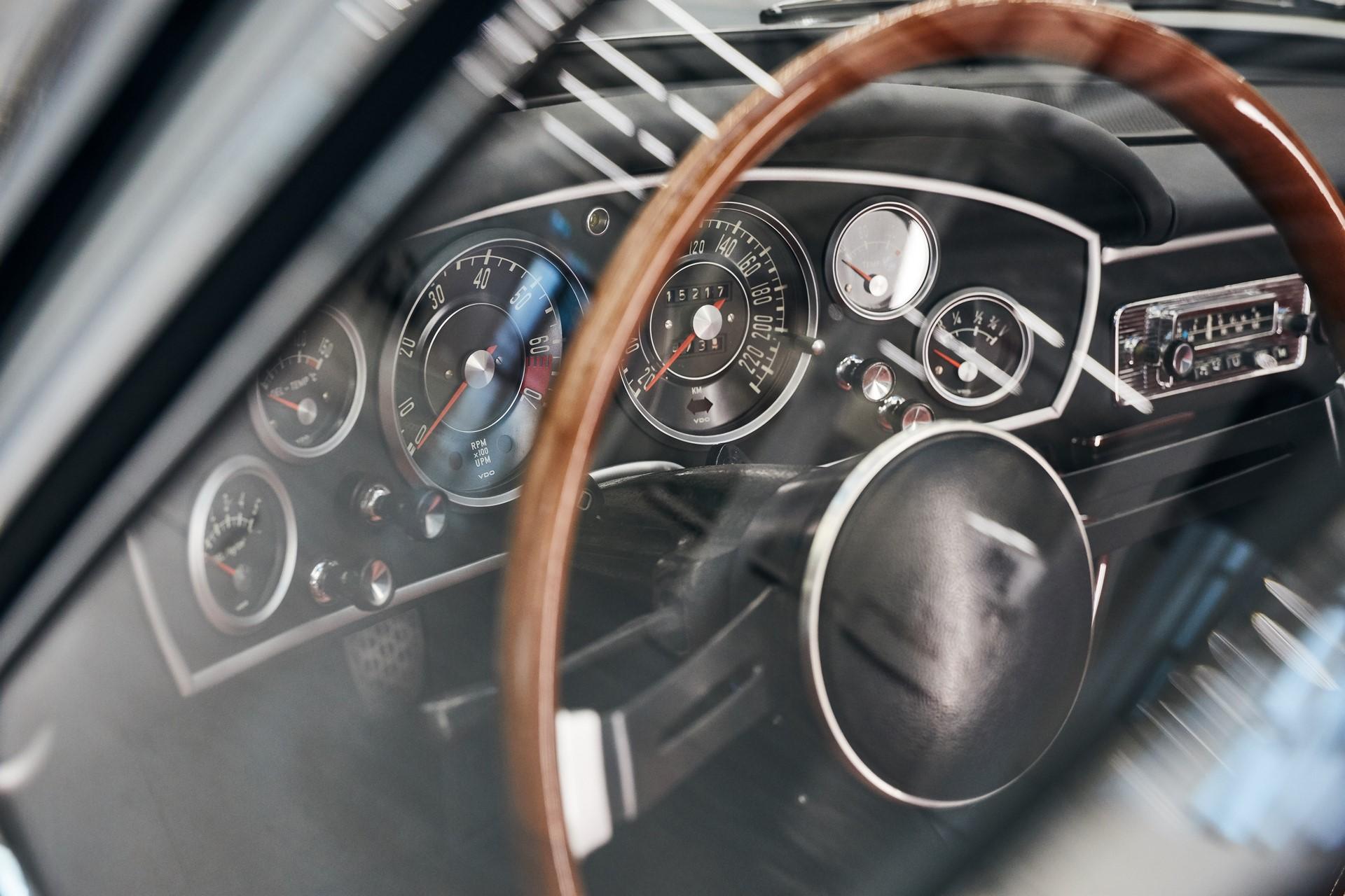 BMW 1600 GT Convertible 1967 (10)