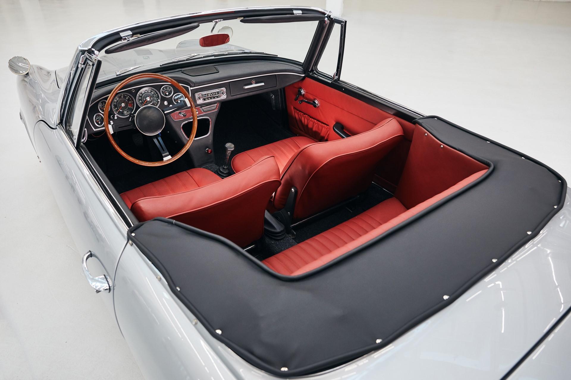 BMW 1600 GT Convertible 1967 (11)