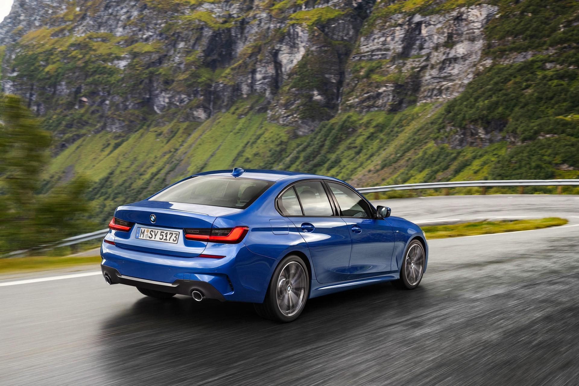 BMW 3-Series 2019 (13)