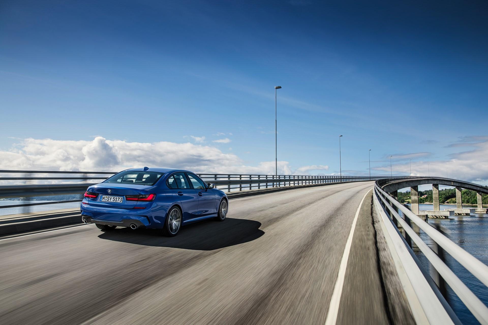 BMW 3-Series 2019 (16)