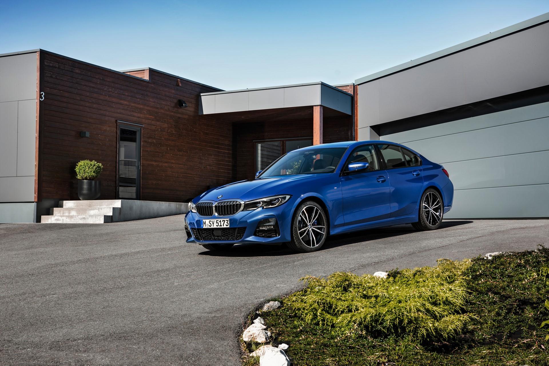 BMW 3-Series 2019 (21)