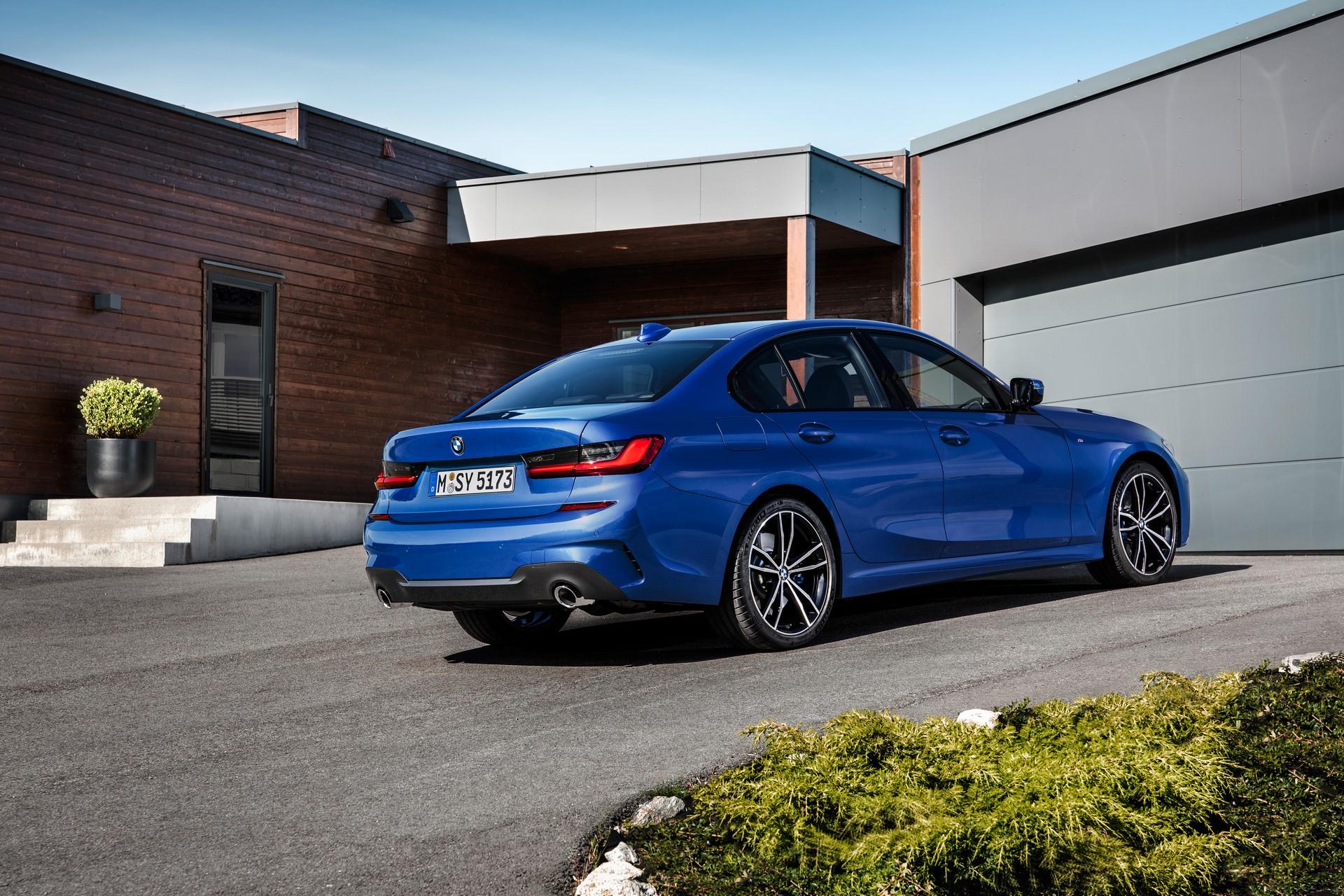 BMW 3-Series 2019 (22)