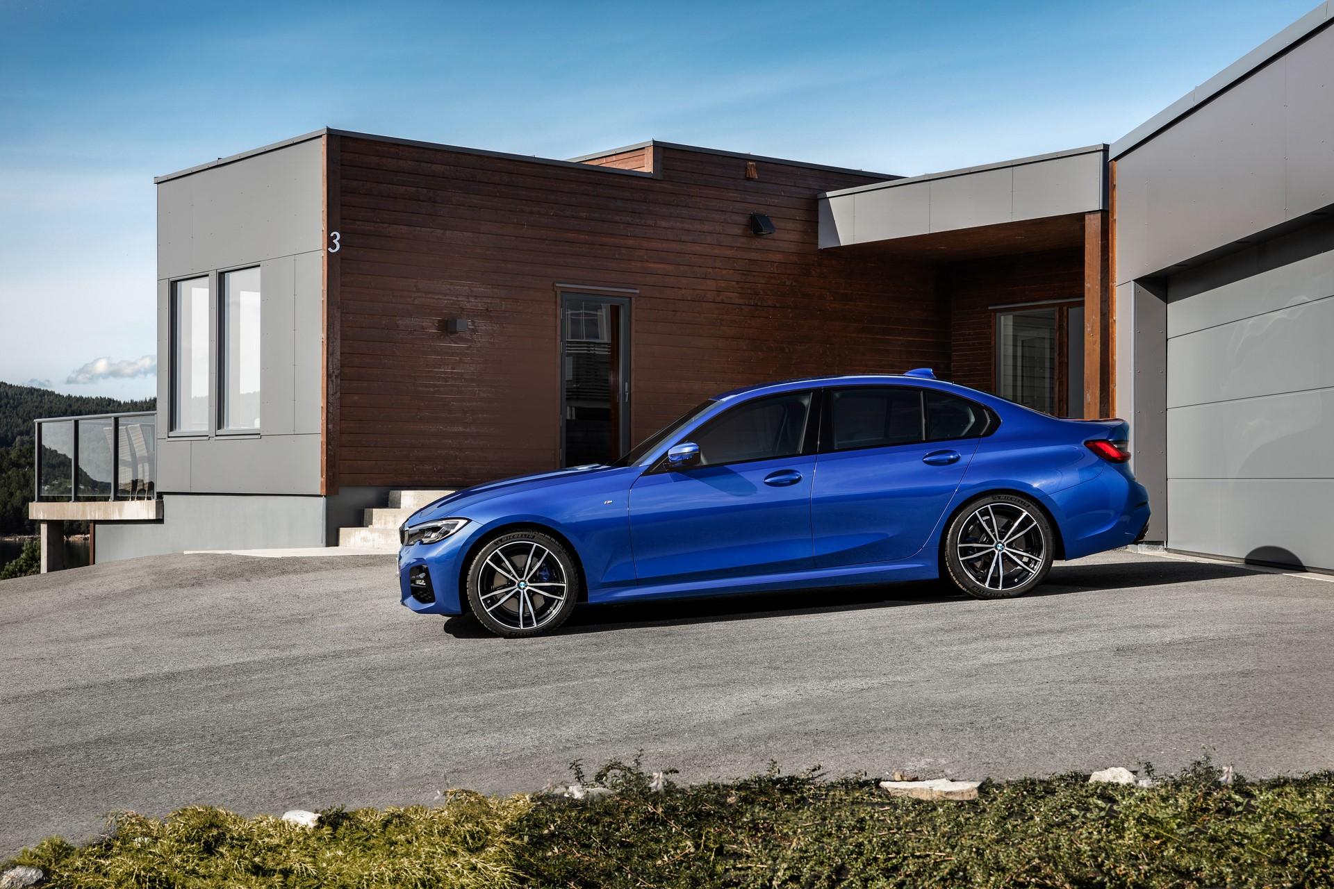 BMW 3-Series 2019 (23)