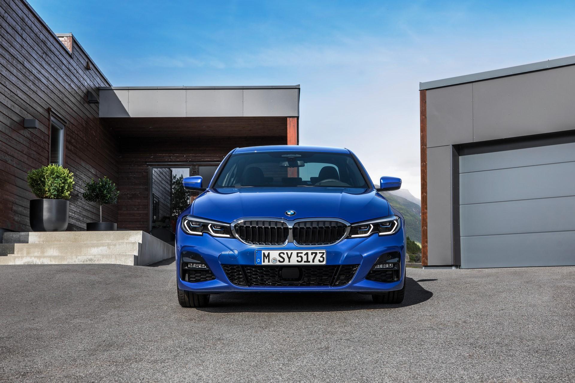 BMW 3-Series 2019 (24)