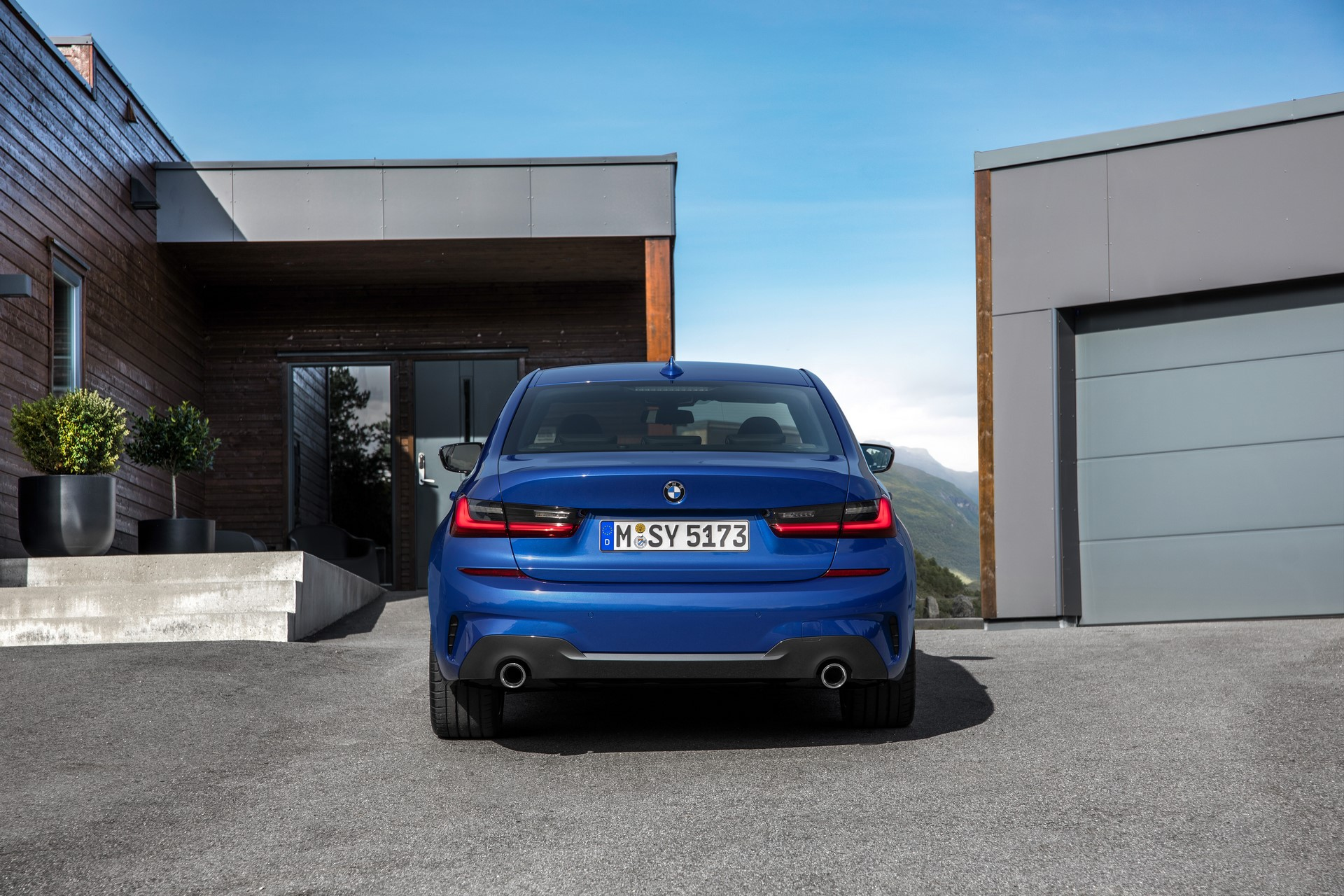 BMW 3-Series 2019 (25)
