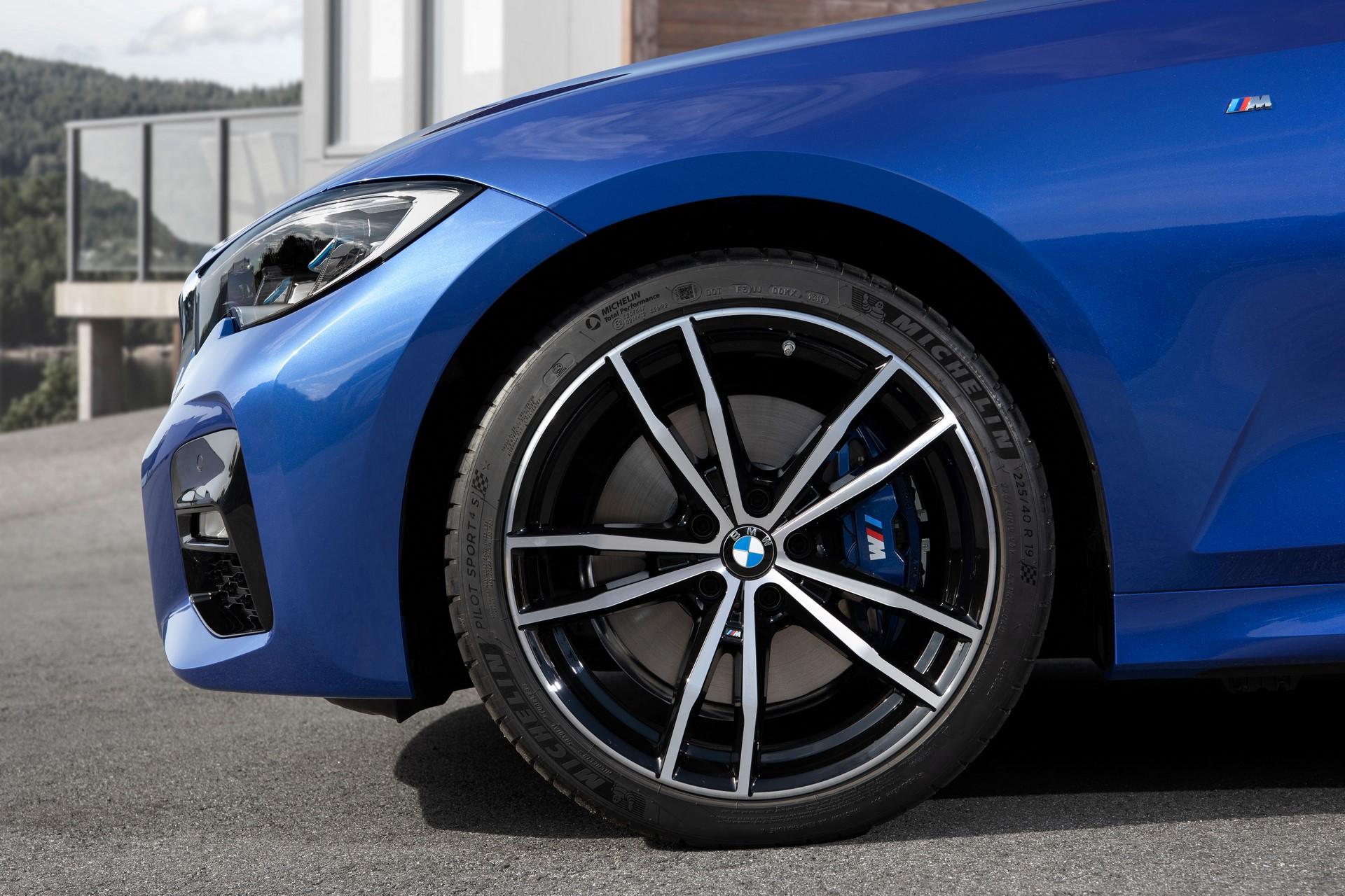 BMW 3-Series 2019 (27)
