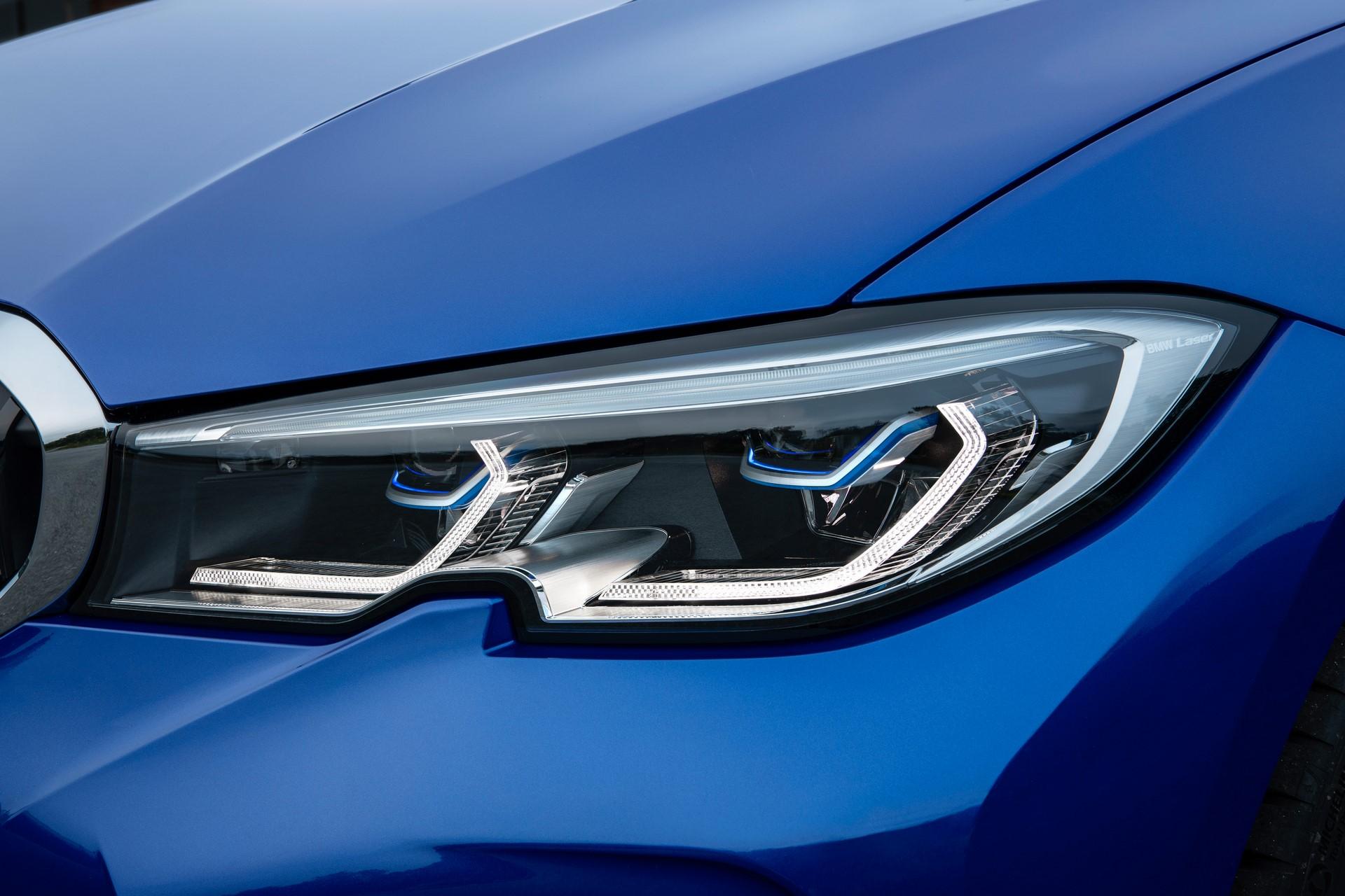 BMW 3-Series 2019 (29)