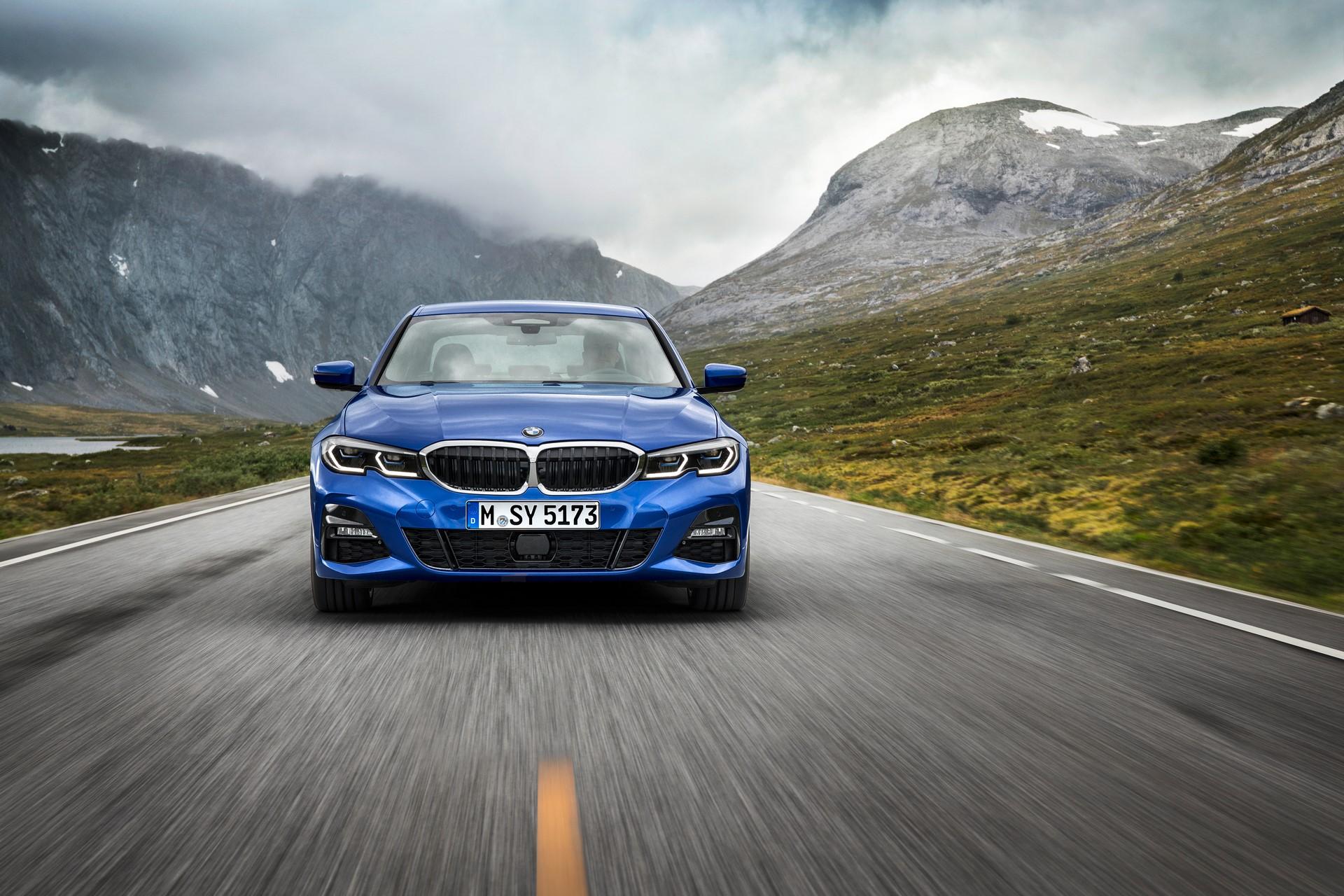 BMW 3-Series 2019 (3)