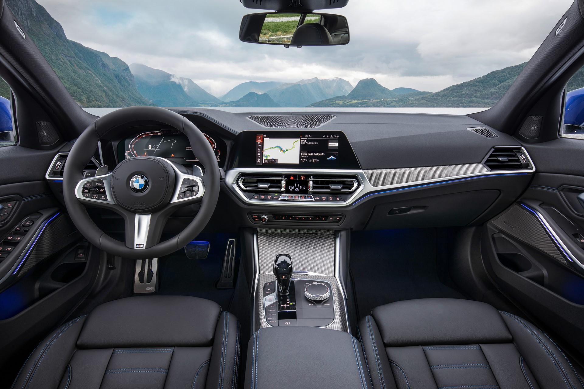 BMW 3-Series 2019 (34)