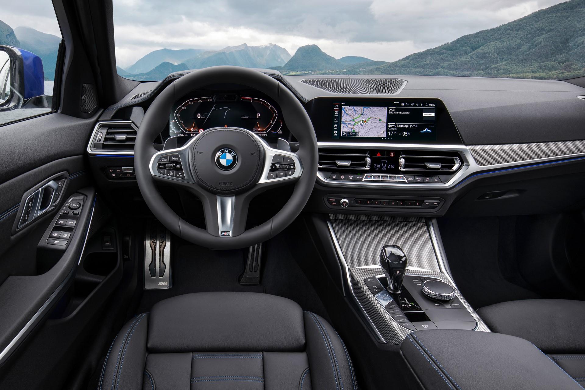 BMW 3-Series 2019 (35)