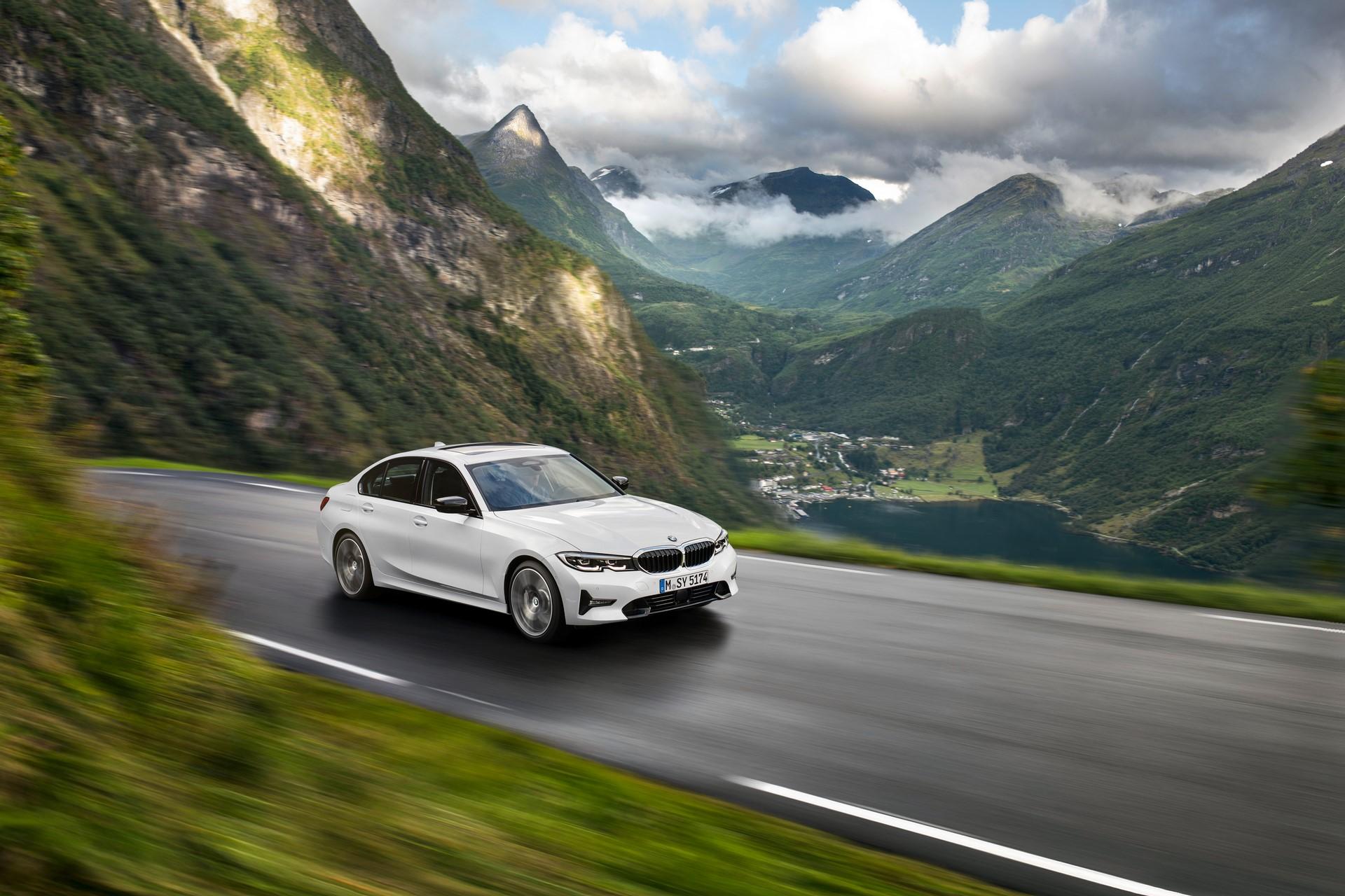 BMW 3-Series 2019 (42)