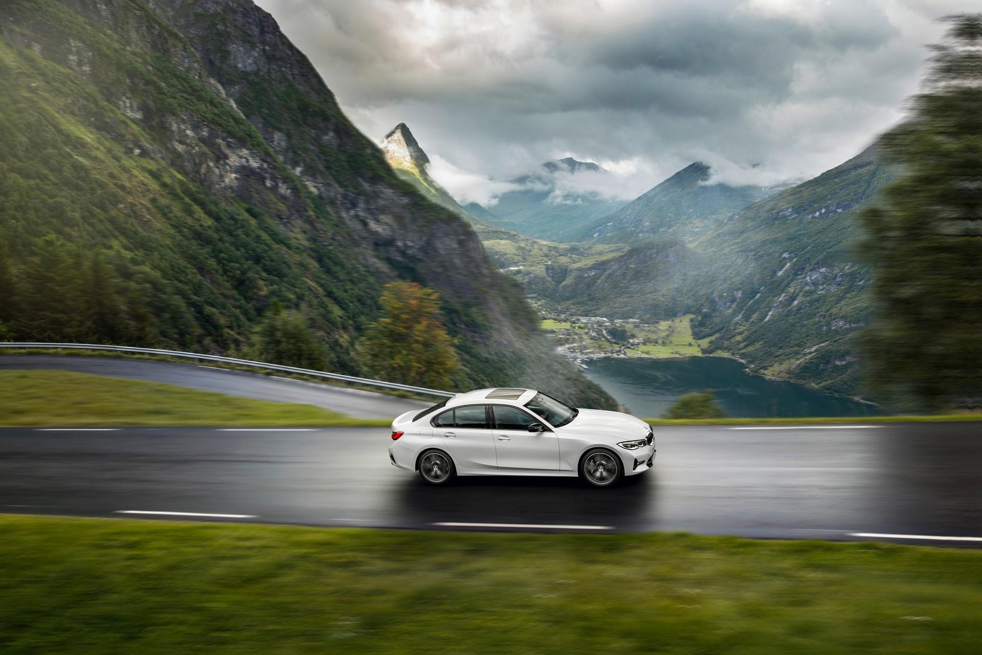 BMW 3-Series 2019 (47)