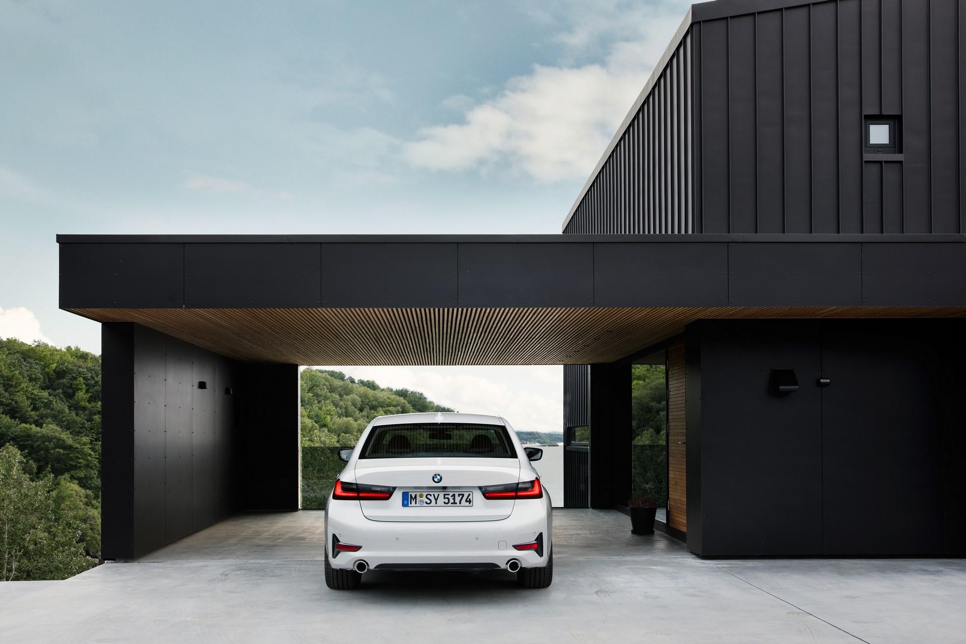 BMW 3-Series 2019 (56)
