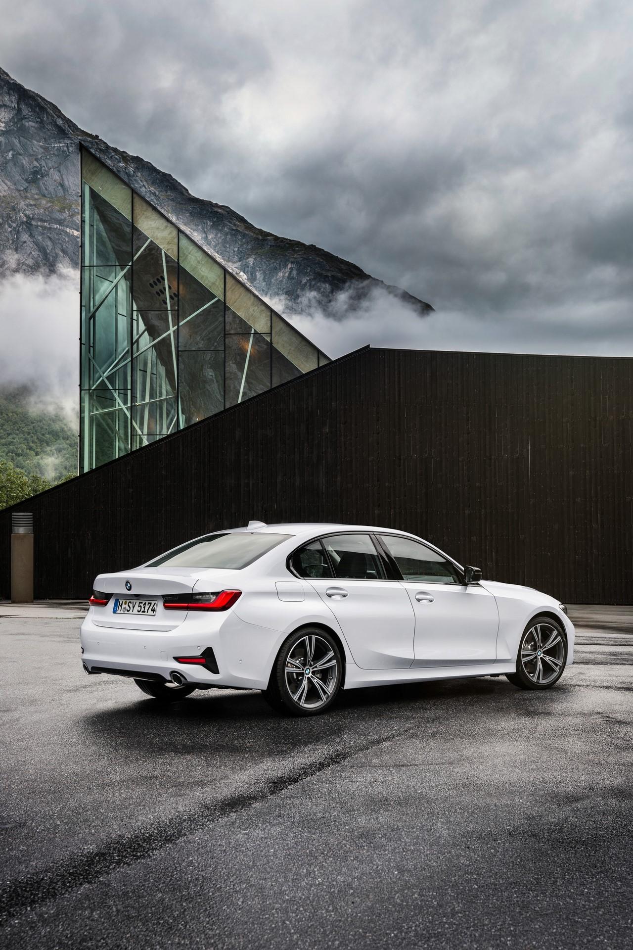 BMW 3-Series 2019 (58)