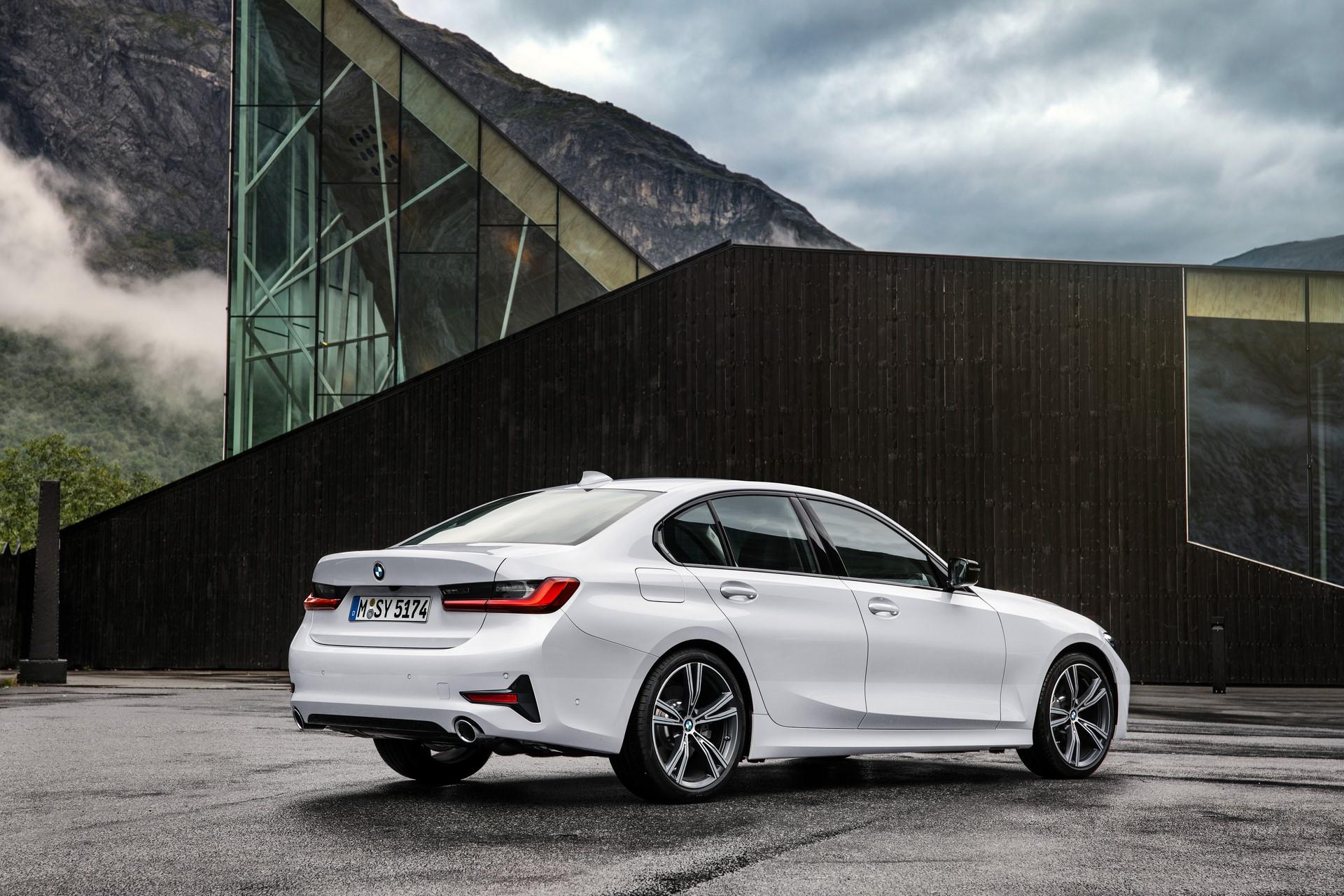 BMW 3-Series 2019 (59)