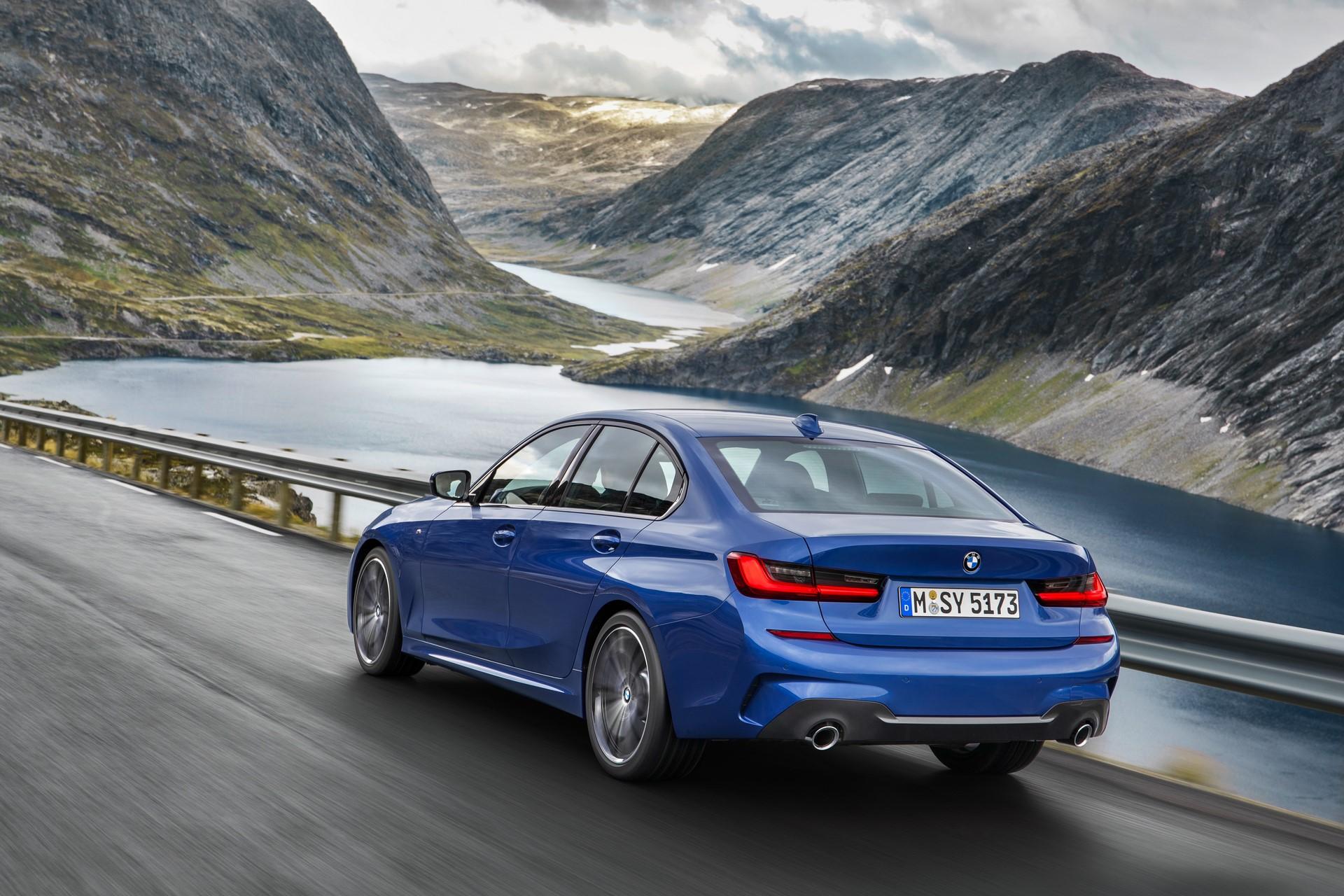 BMW 3-Series 2019 (6)