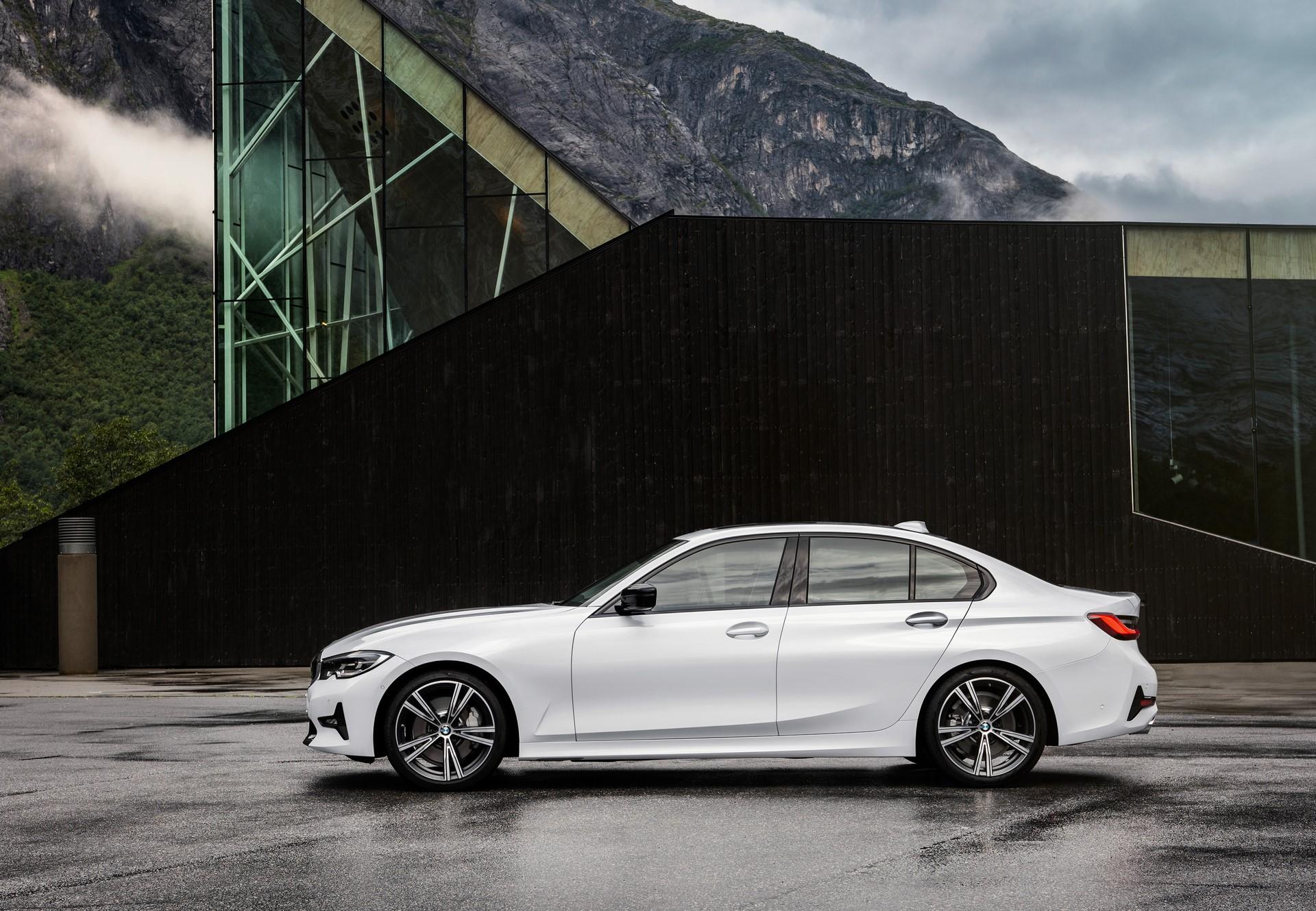 BMW 3-Series 2019 (60)