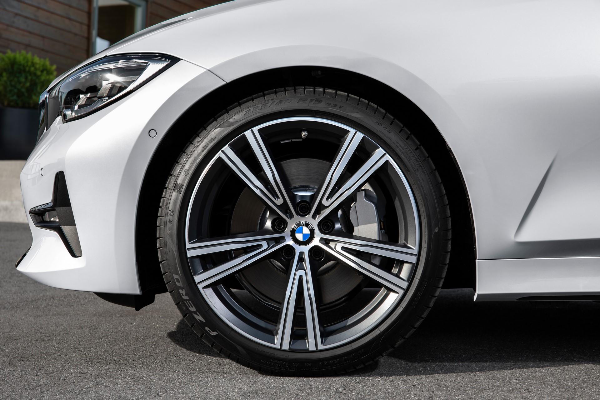 BMW 3-Series 2019 (66)