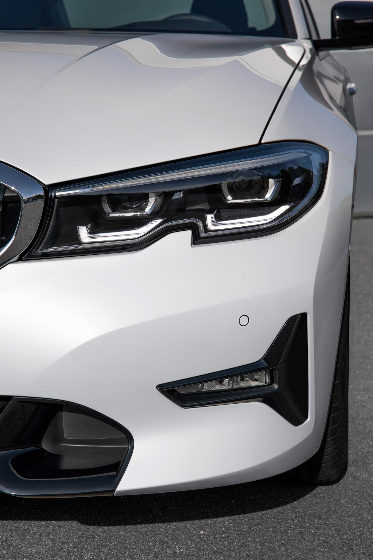 BMW 3-Series 2019 (70)