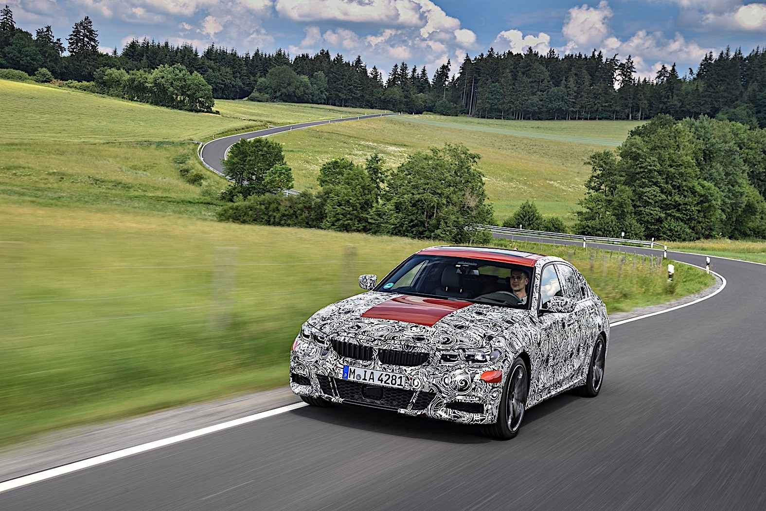 BMW 3-Series 2019 official spy photos 14