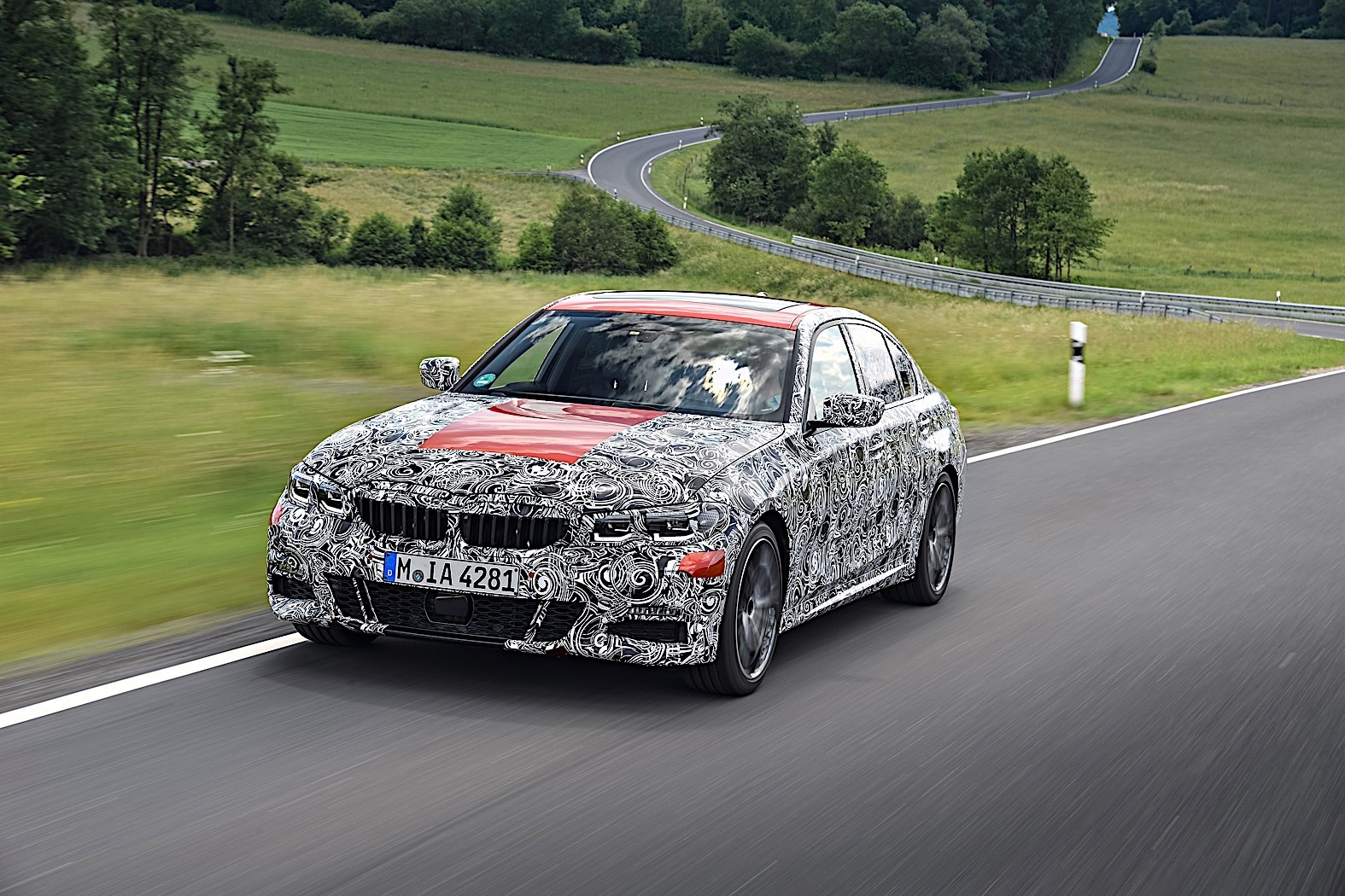 BMW 3-Series 2019 official spy photos 15
