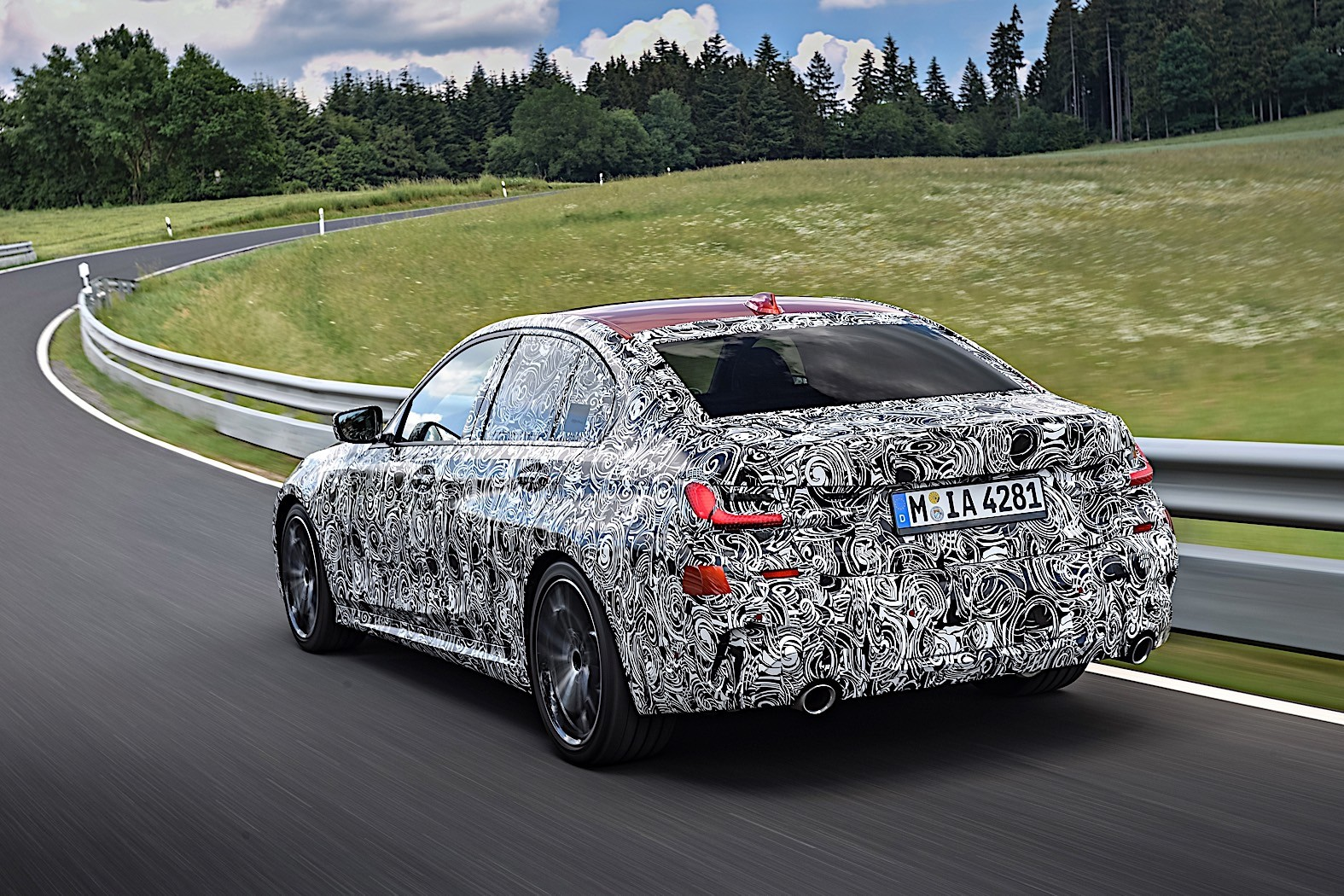 BMW 3-Series 2019 official spy photos 16