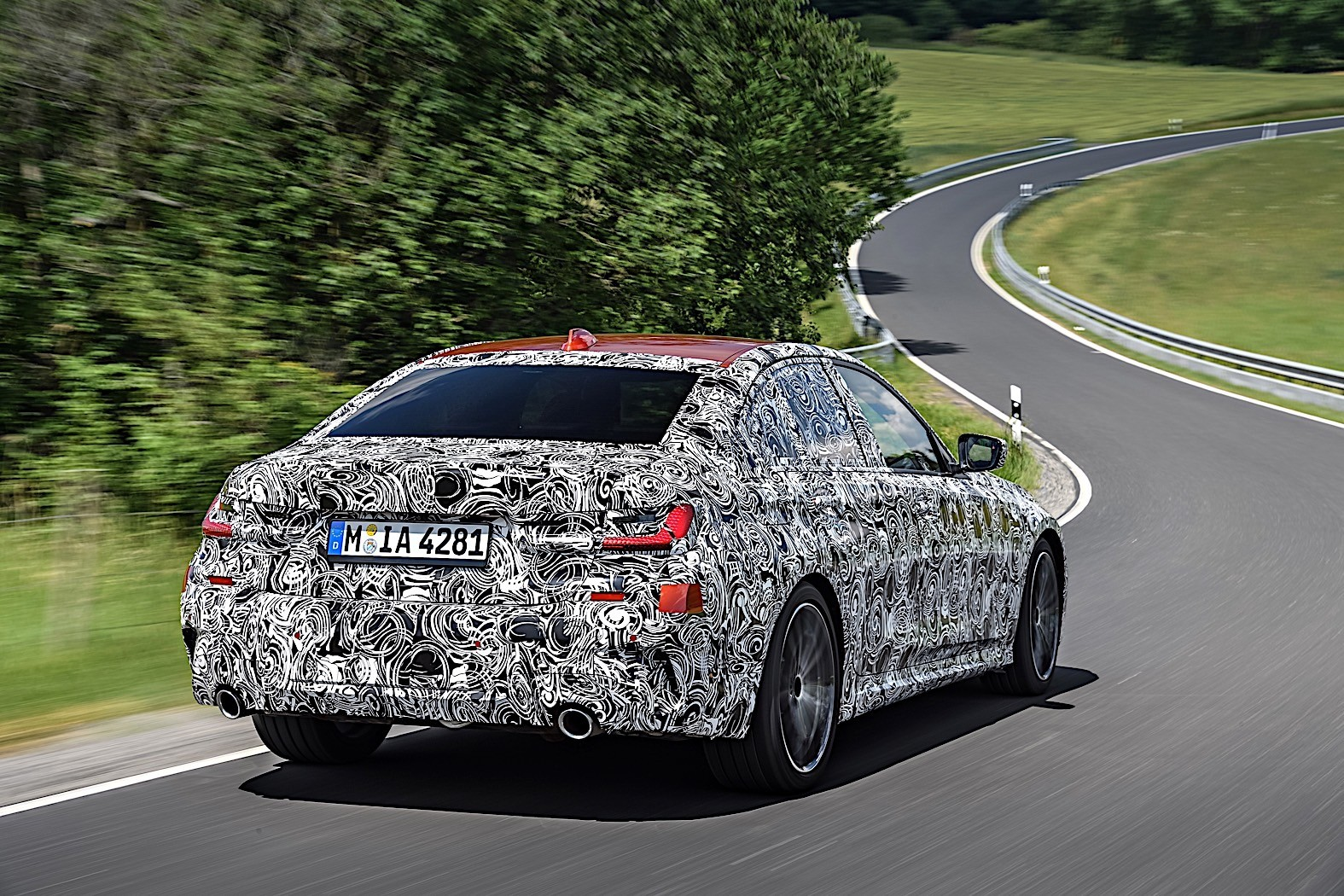BMW 3-Series 2019 official spy photos 17