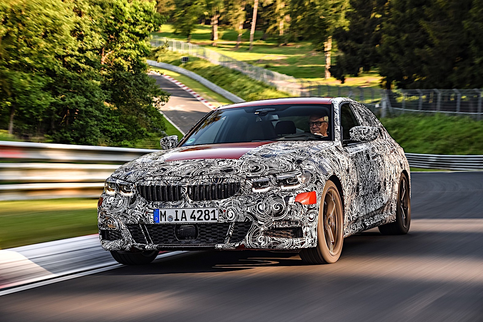 BMW 3-Series 2019 official spy photos 3